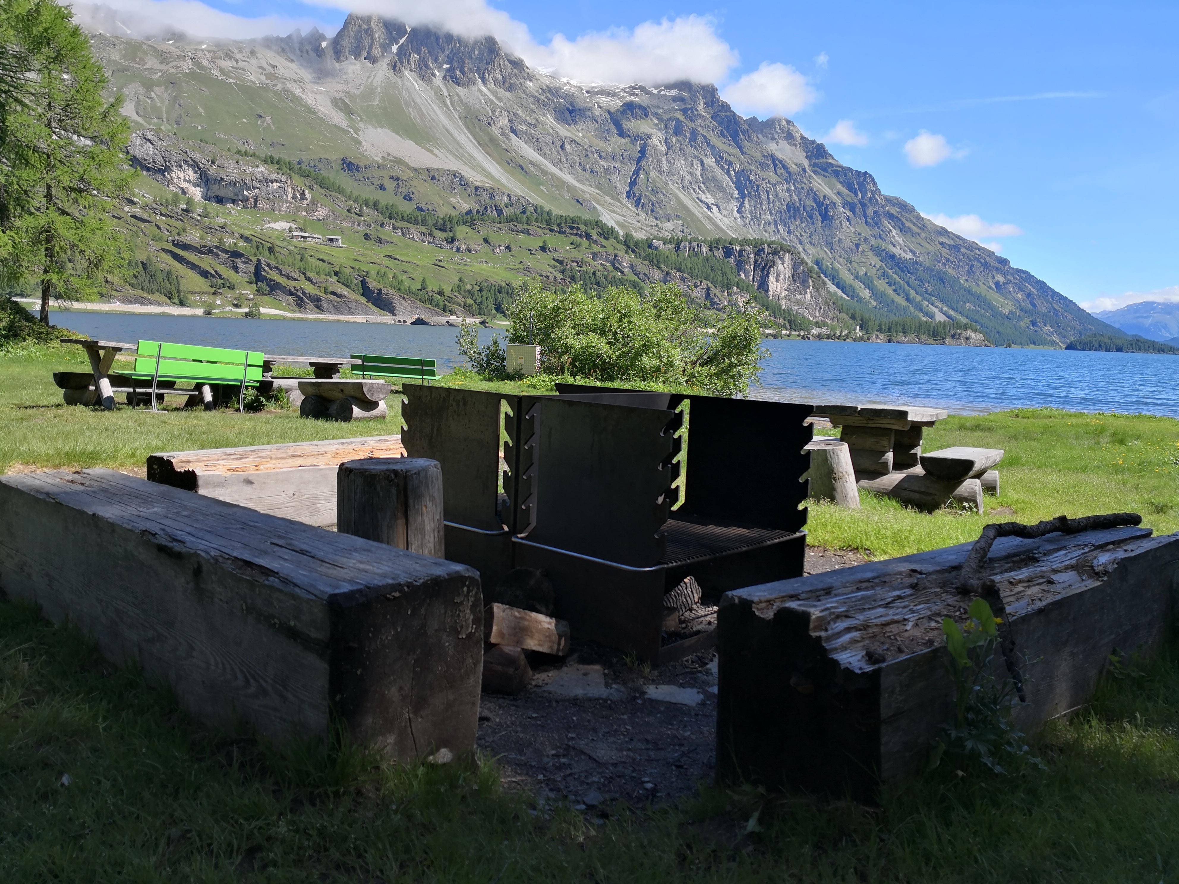 Feuer- und Grillstelle Plan Cuncheta Slide 1