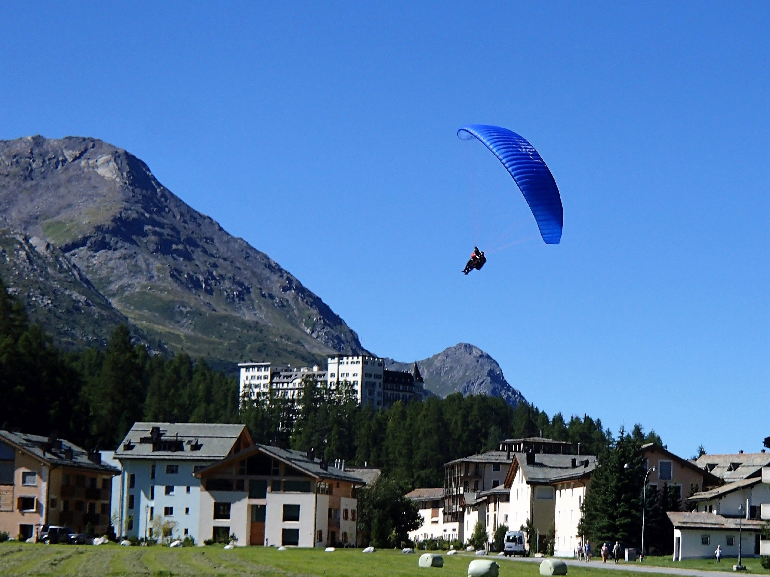 Andrea Kuhn Paragliding / Sailing / Snowkiting with passengers Slide 2
