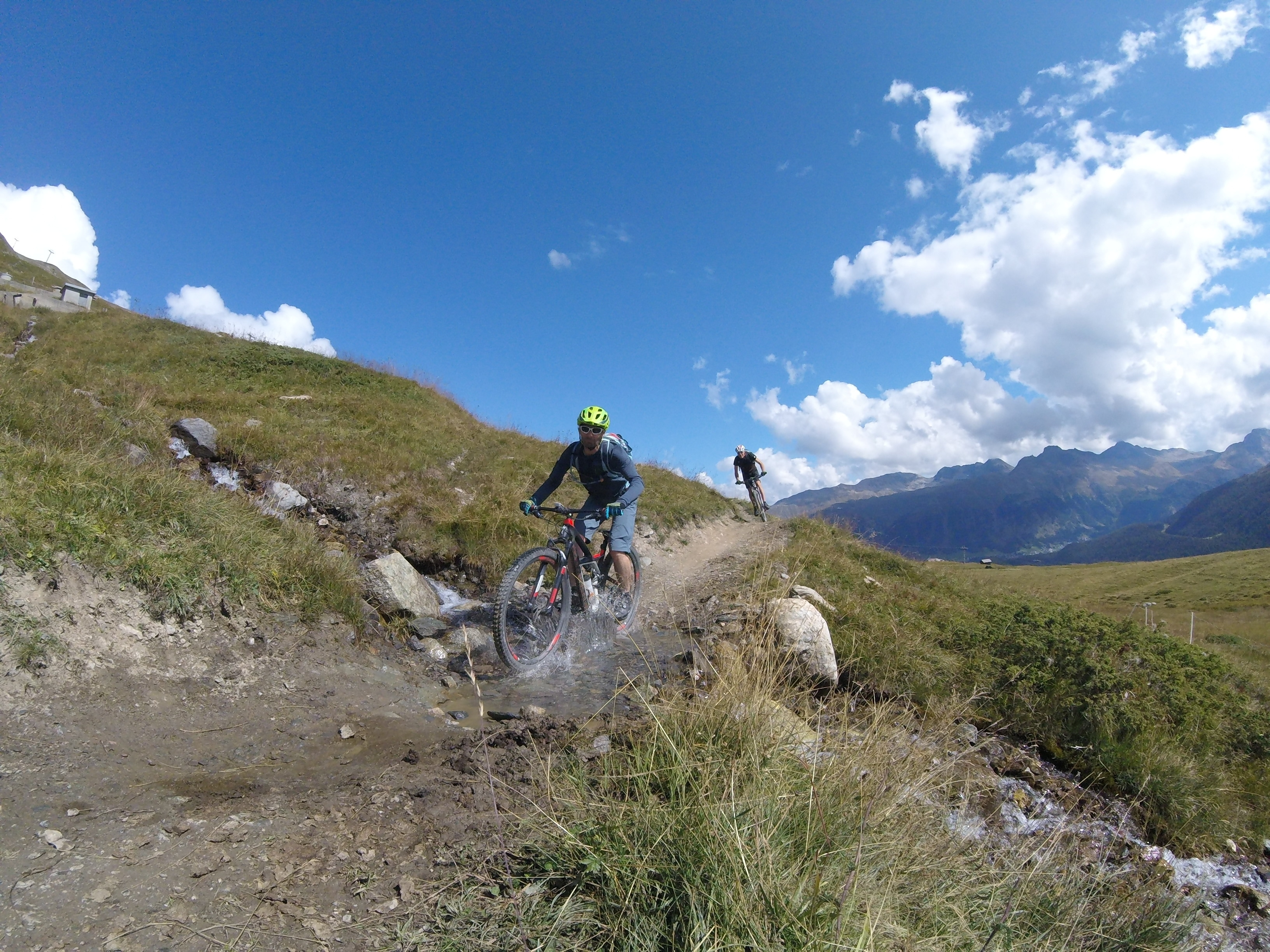 BIKE SCHOOL ENGADIN  - SKILLS & TRAILS Slide 2