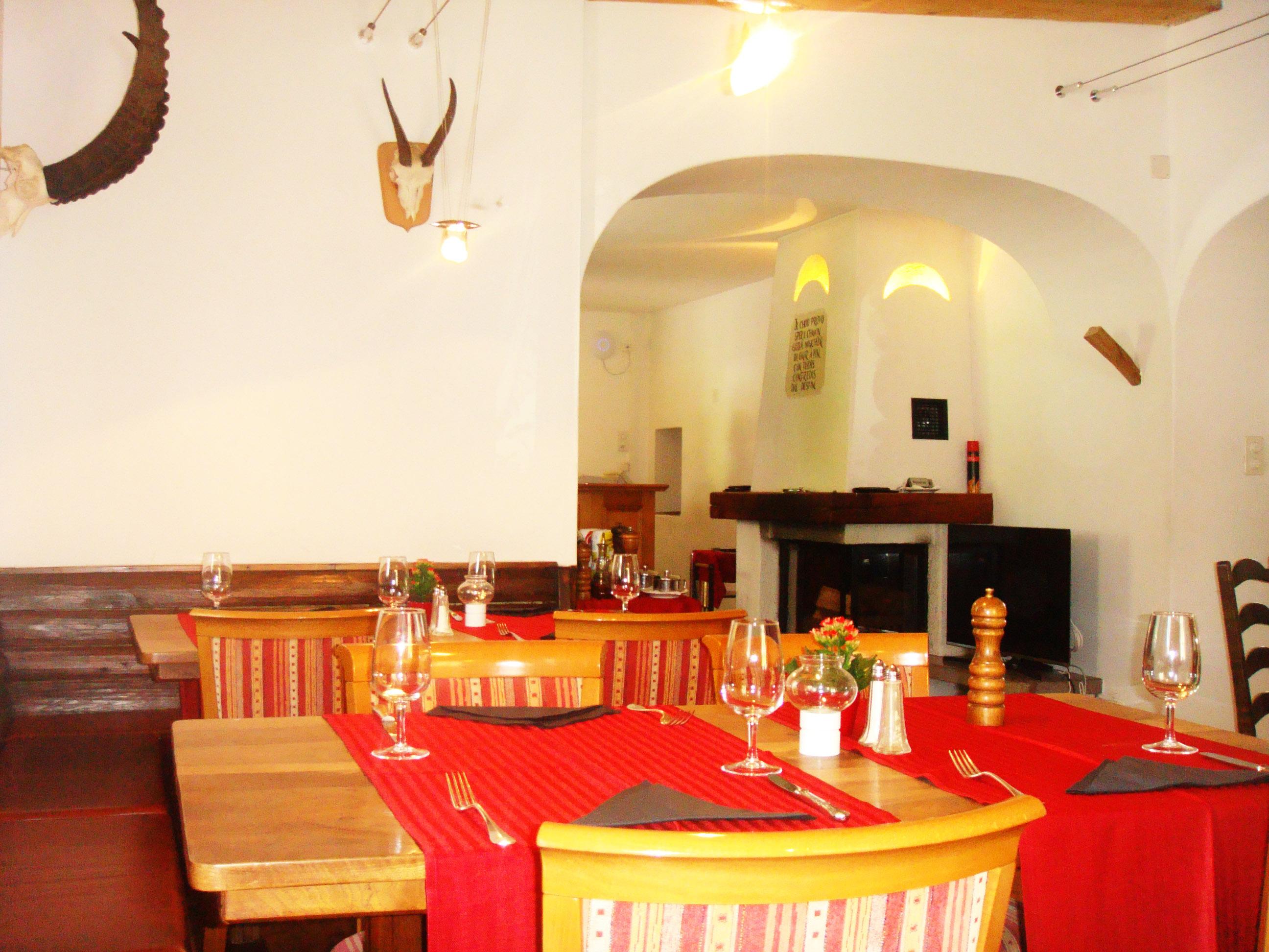 Restaurant Chesa Alpina Slide 1
