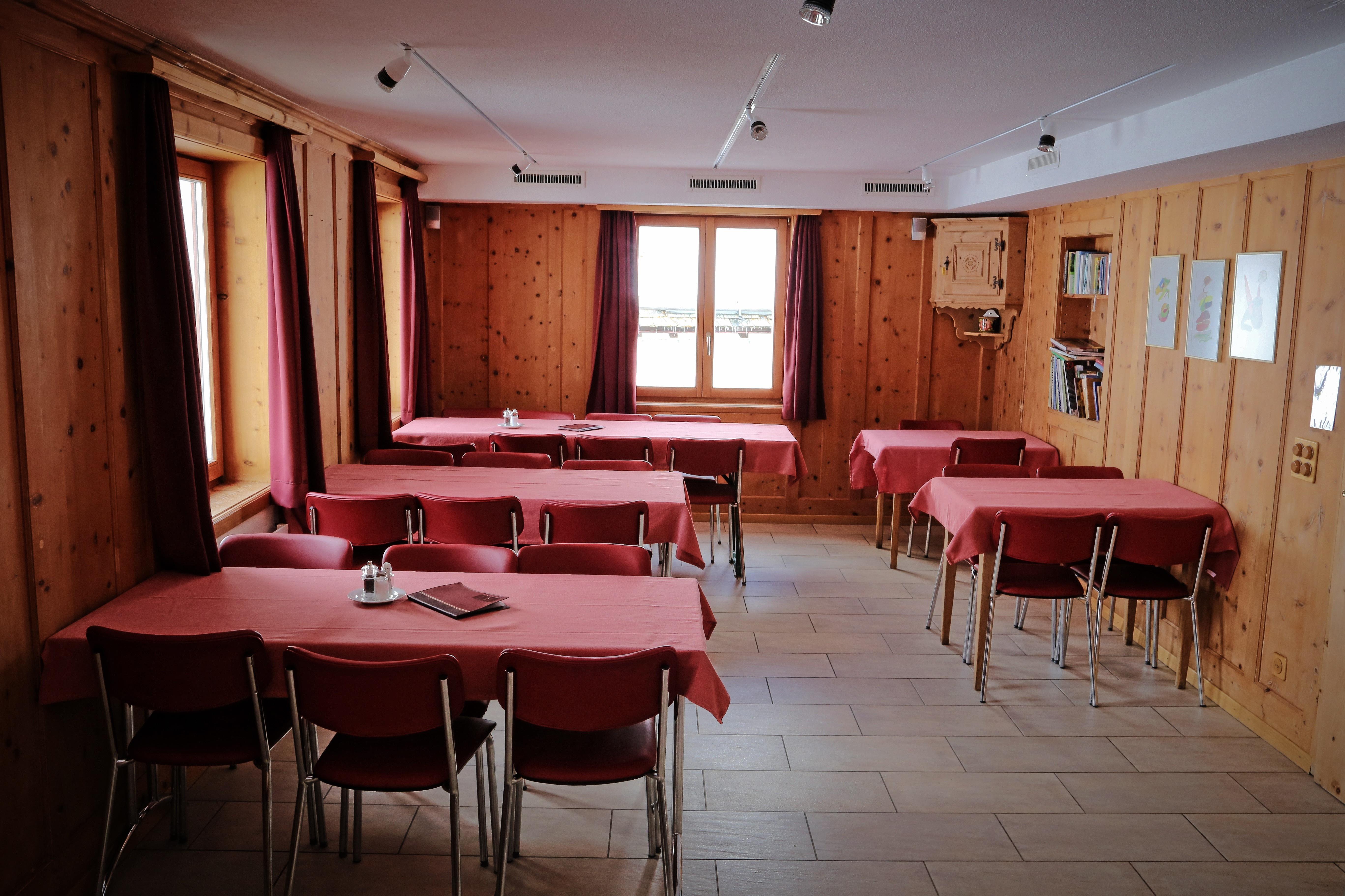 Restaurant Lagrev Slide 3
