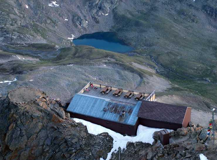 Georgy-Hütte Slide 5
