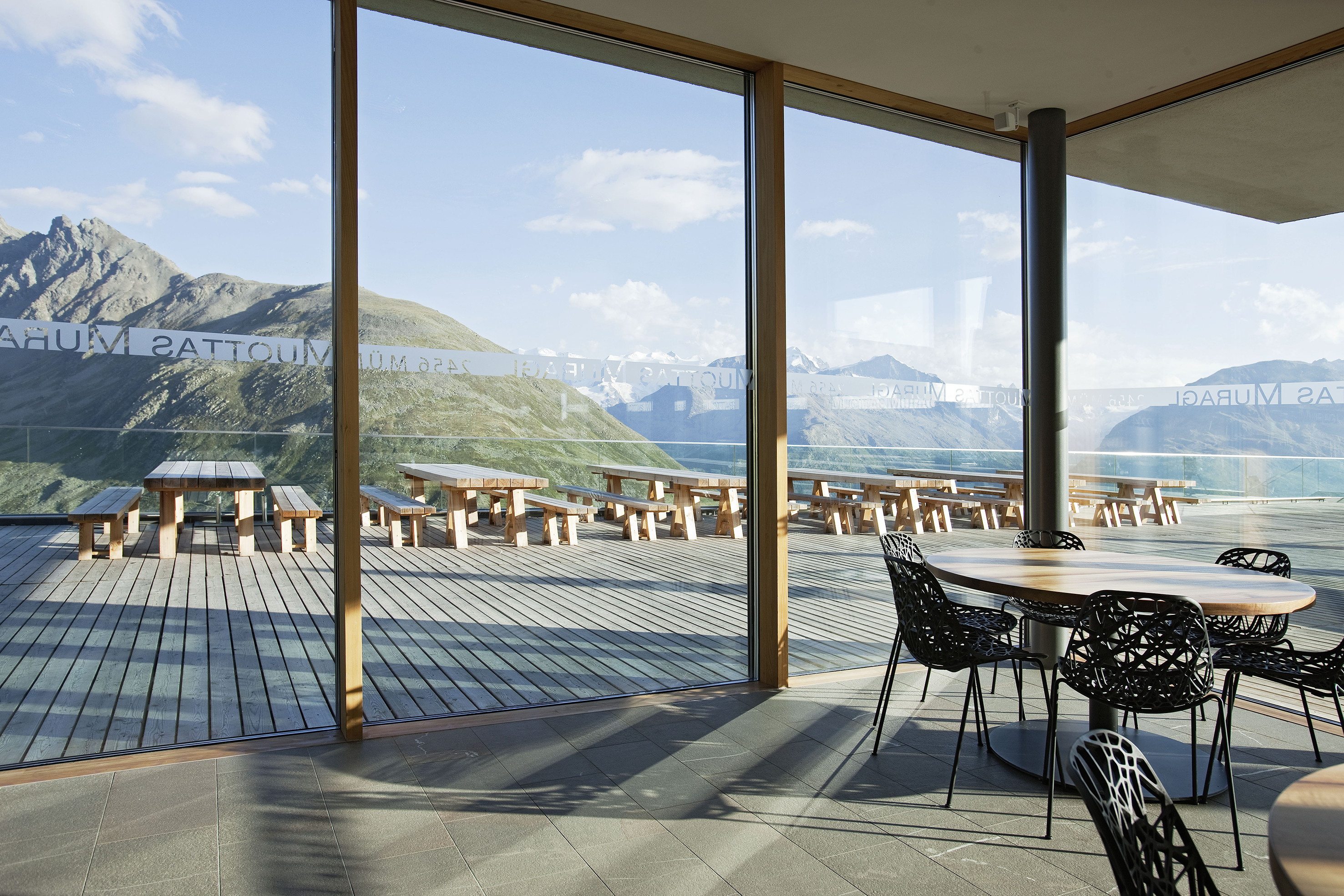 Panoramarestaurant Muottas Muragl Slide 8