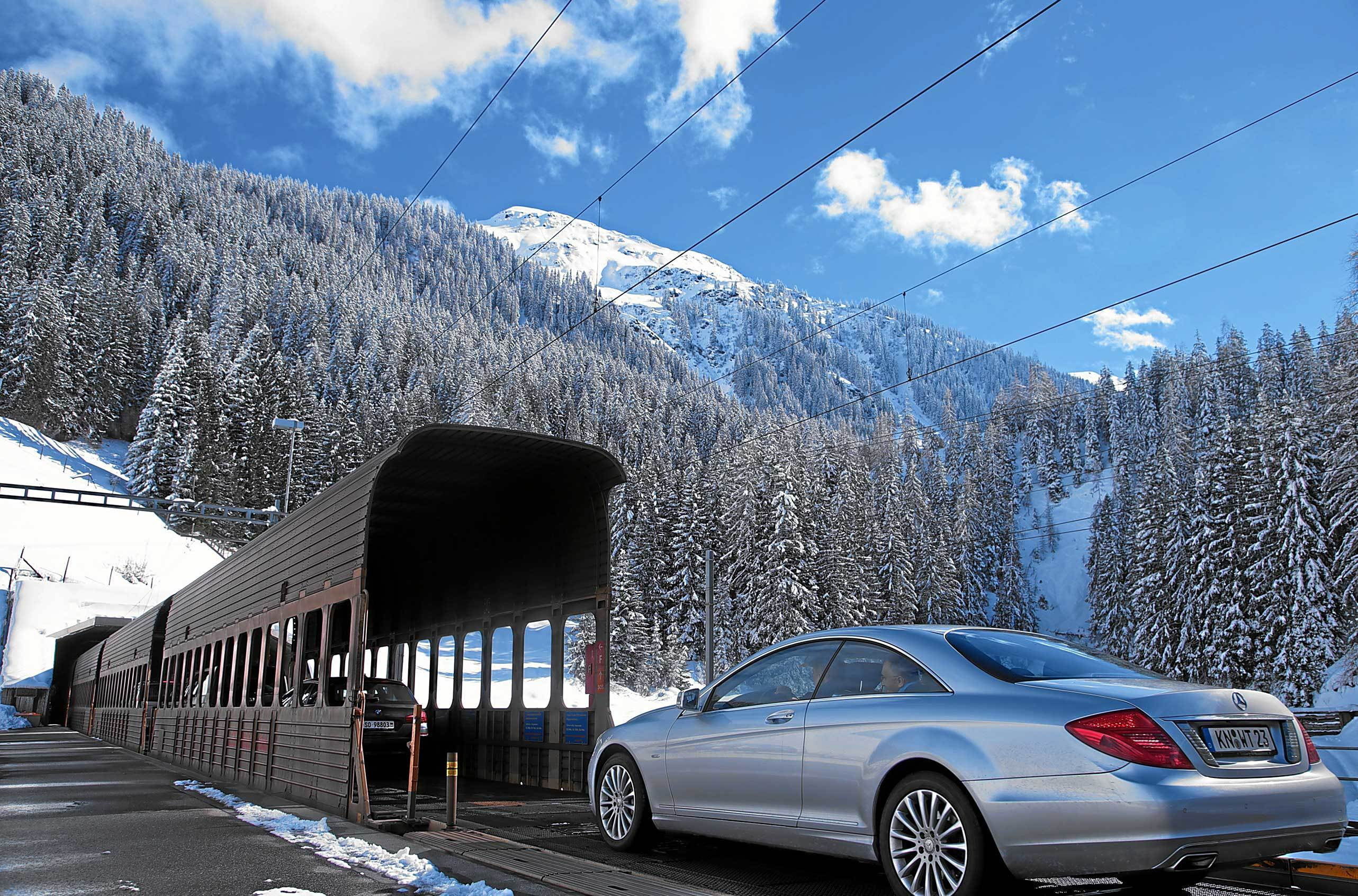 Car transporter - Vereina Tunnel - The quick way through the mountains