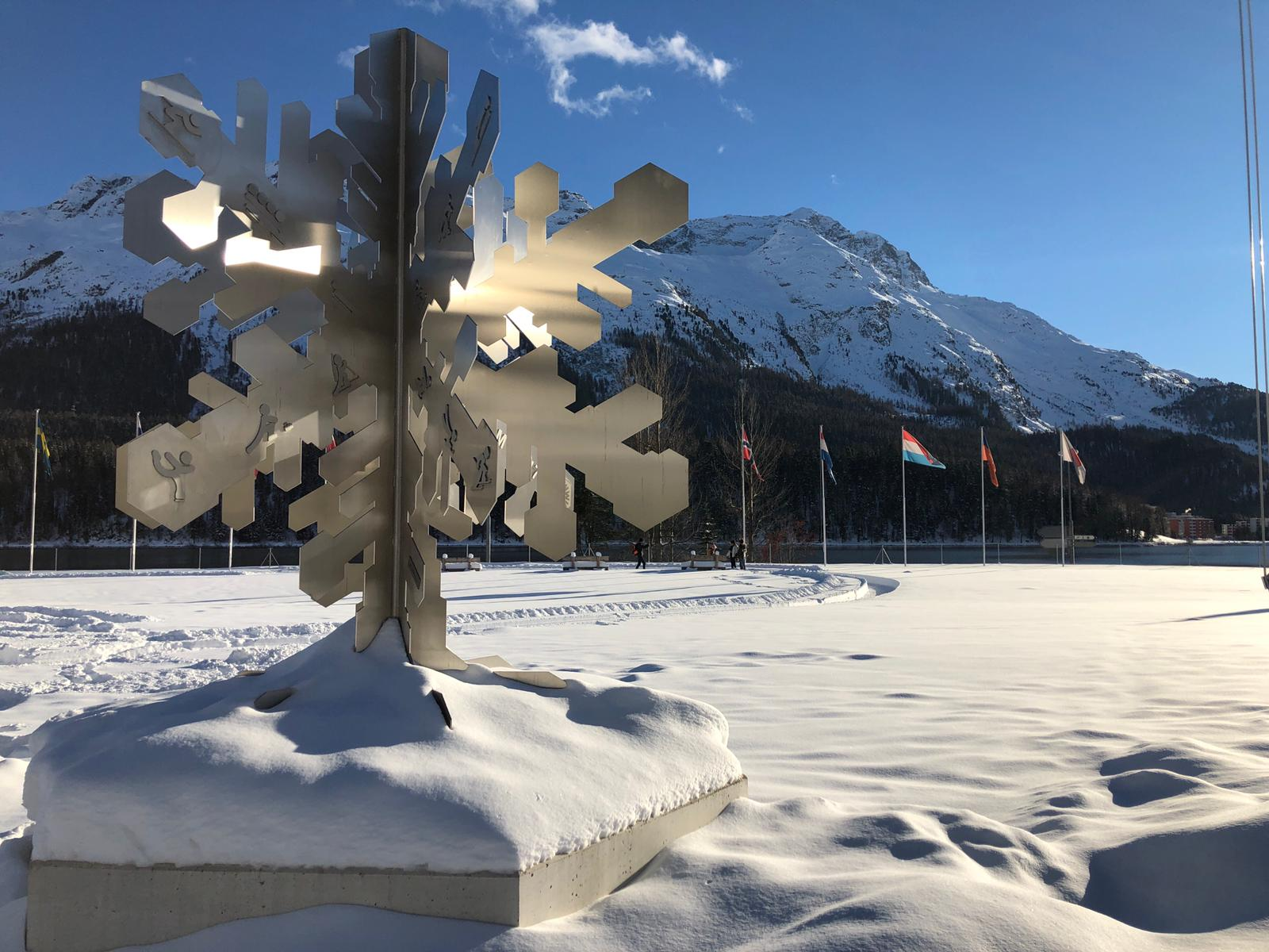 Skulptur 150 Jahre Wintertourismus Slide 1