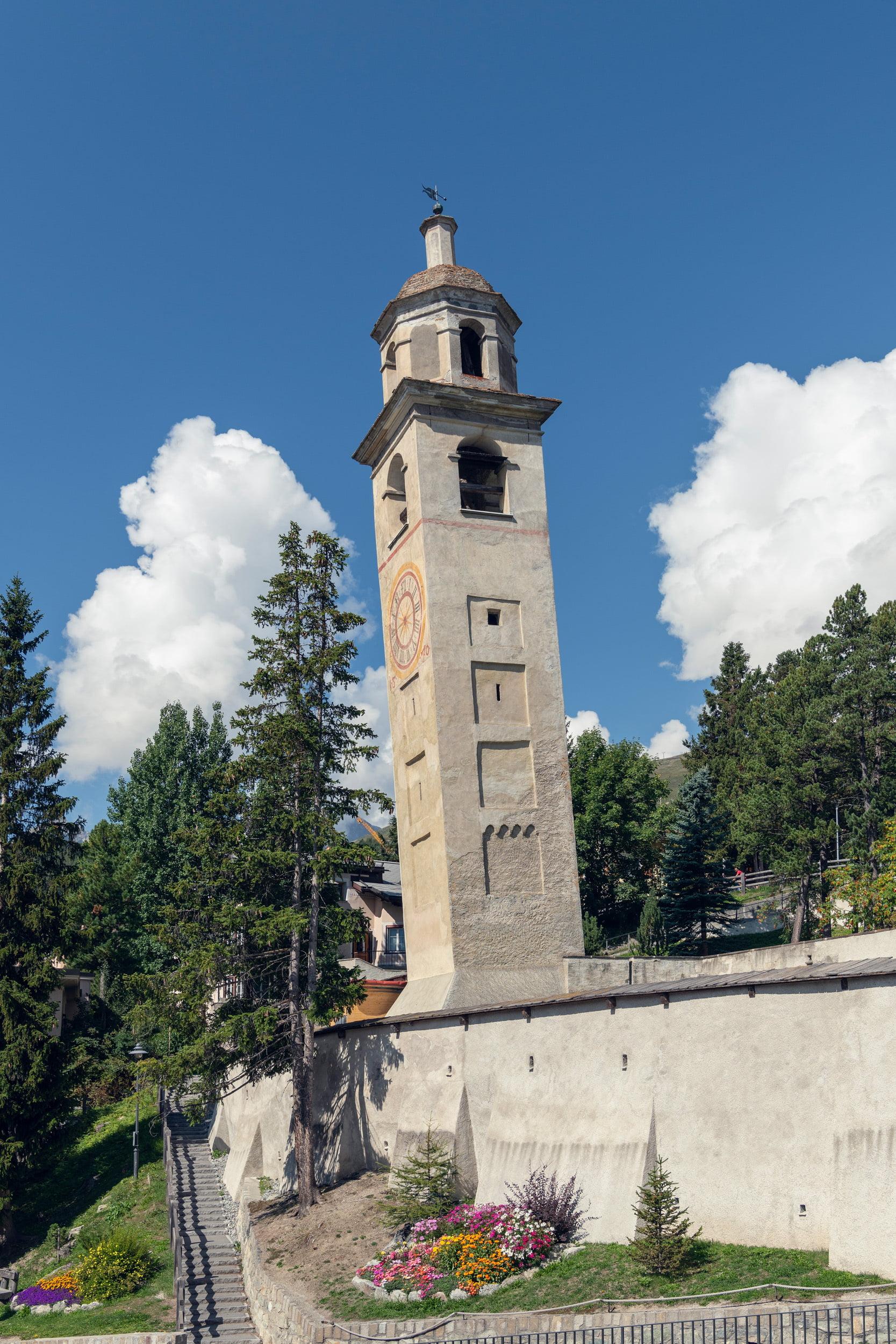 Glockenturm von St. Moritz