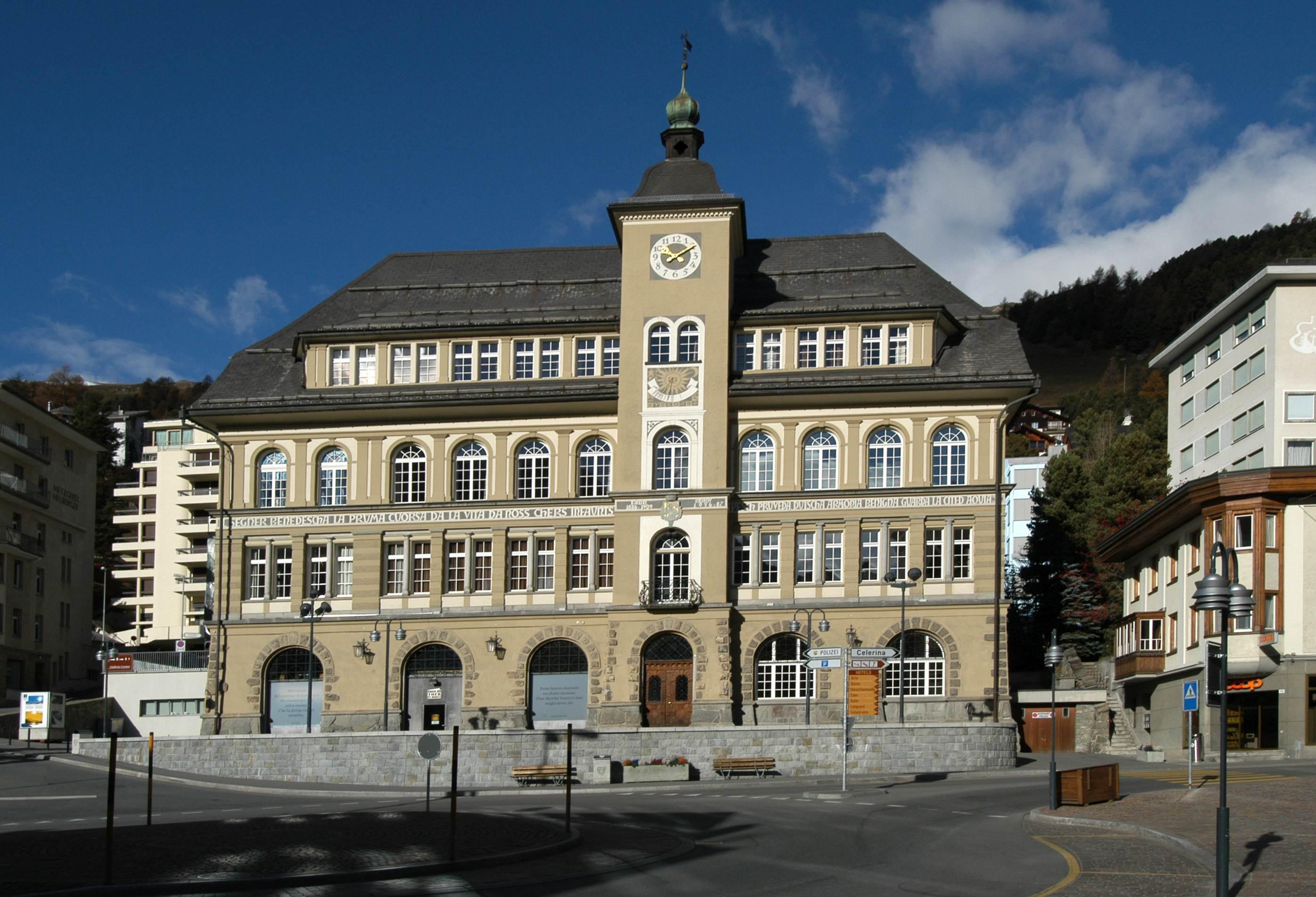Leihbibliothek St. Moritz Slide 1
