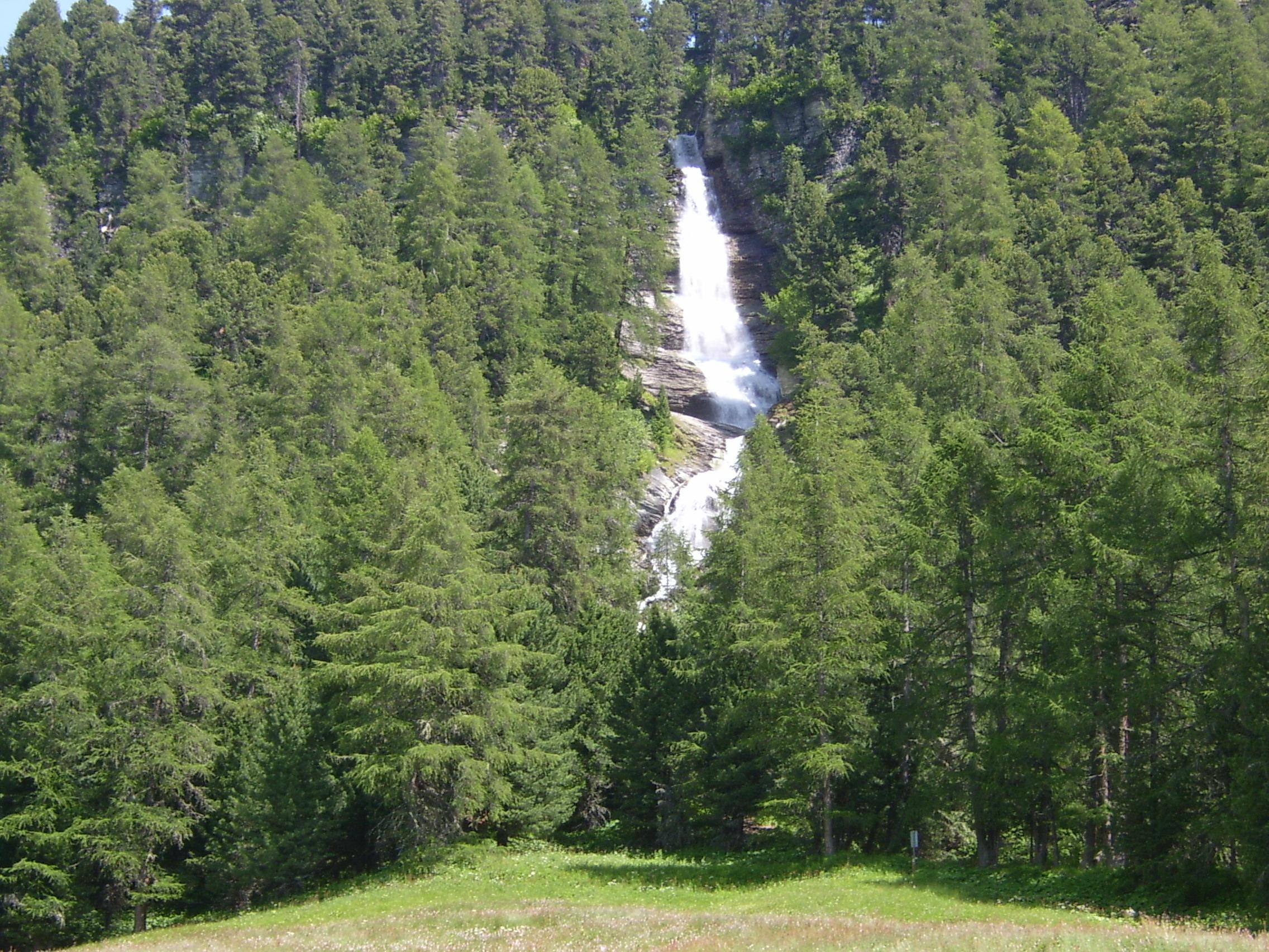 Wasserfall in Surlej Slide 1