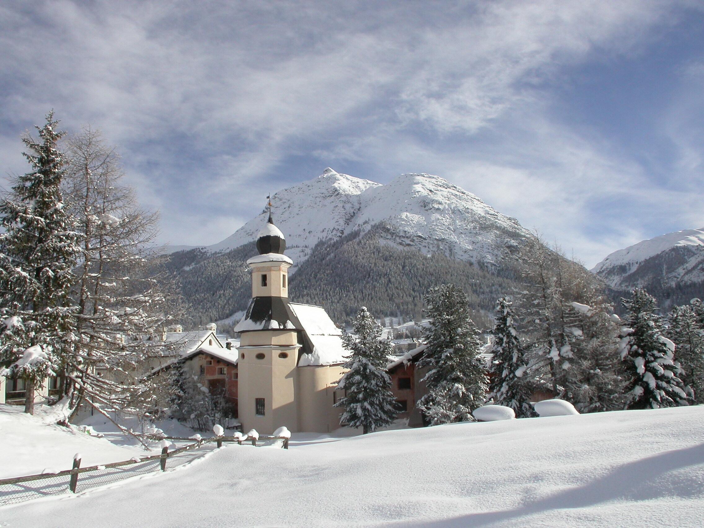 Reformierte Kirche La Punt Slide 1