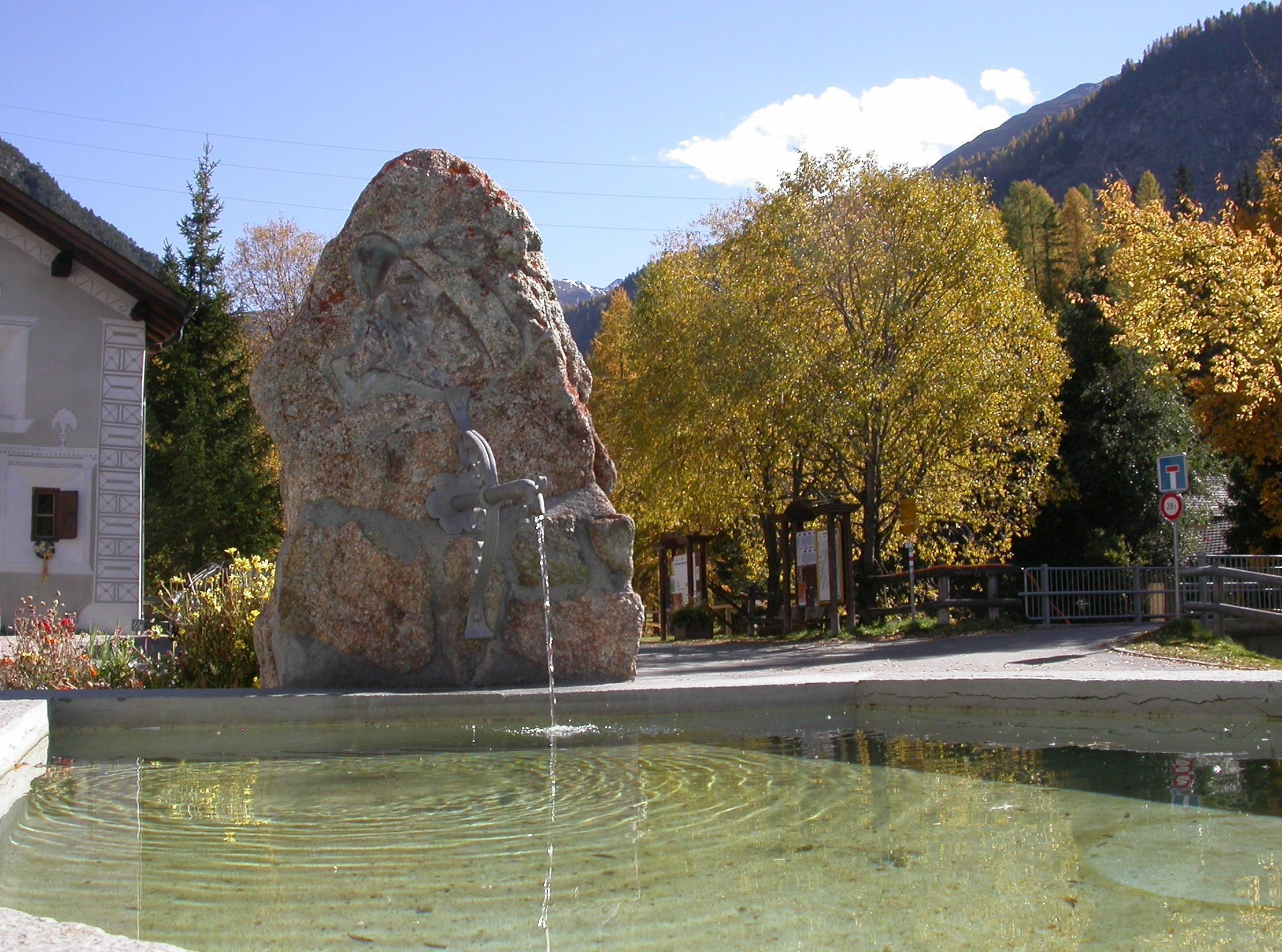 Colani Fountain Slide 1