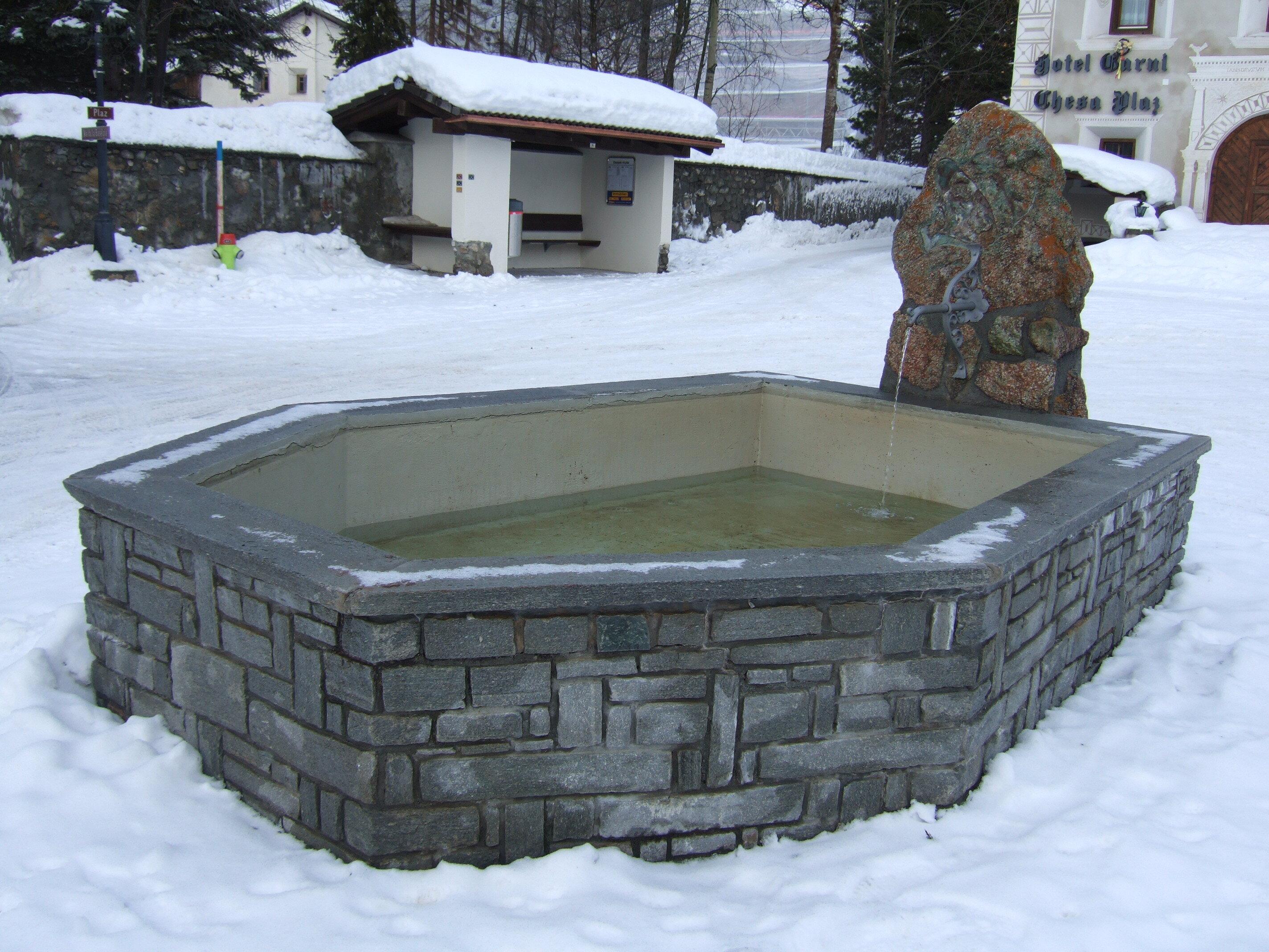 Colani Fountain Slide 2