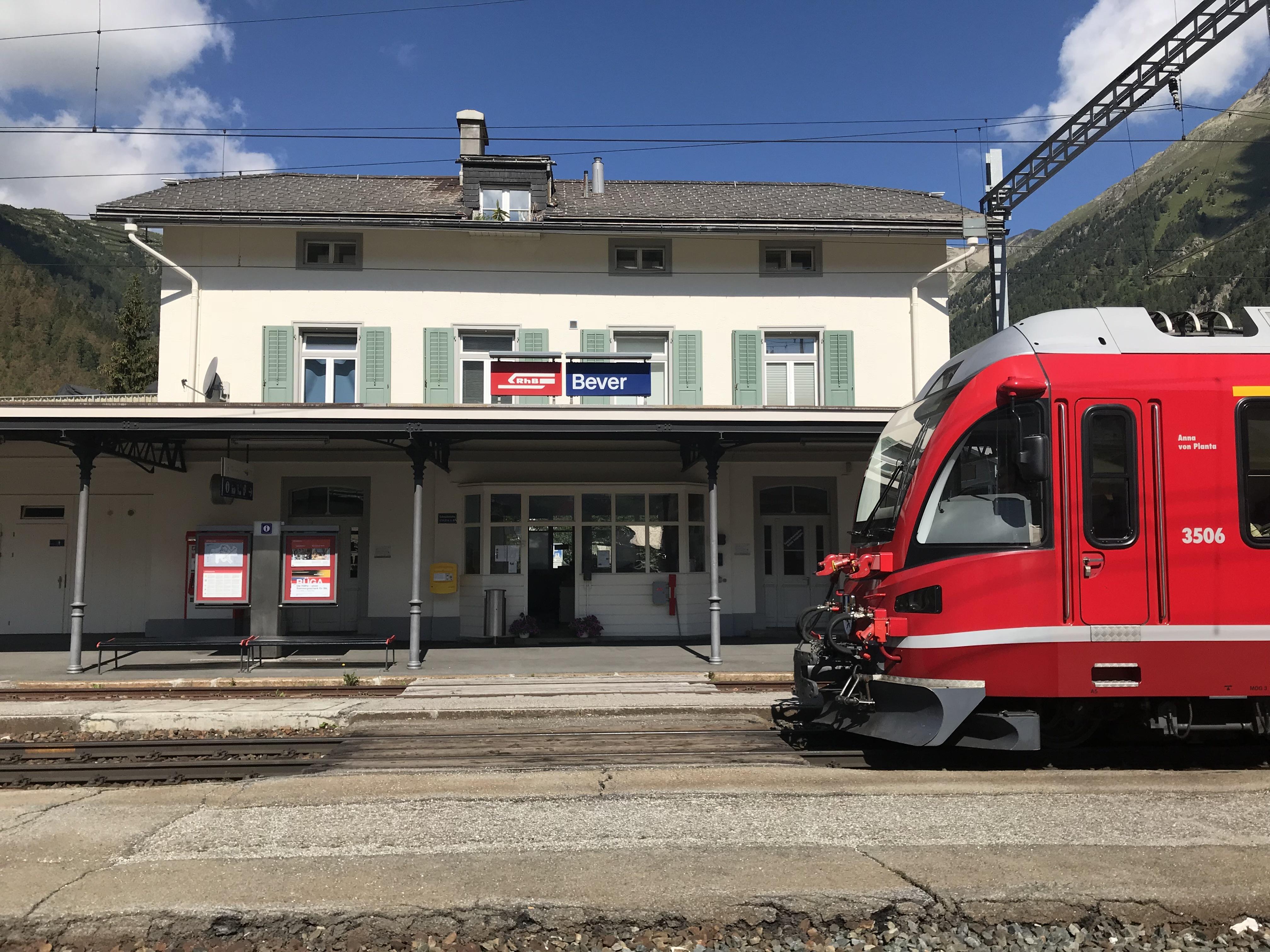 Bahnhof Bever Slide 2