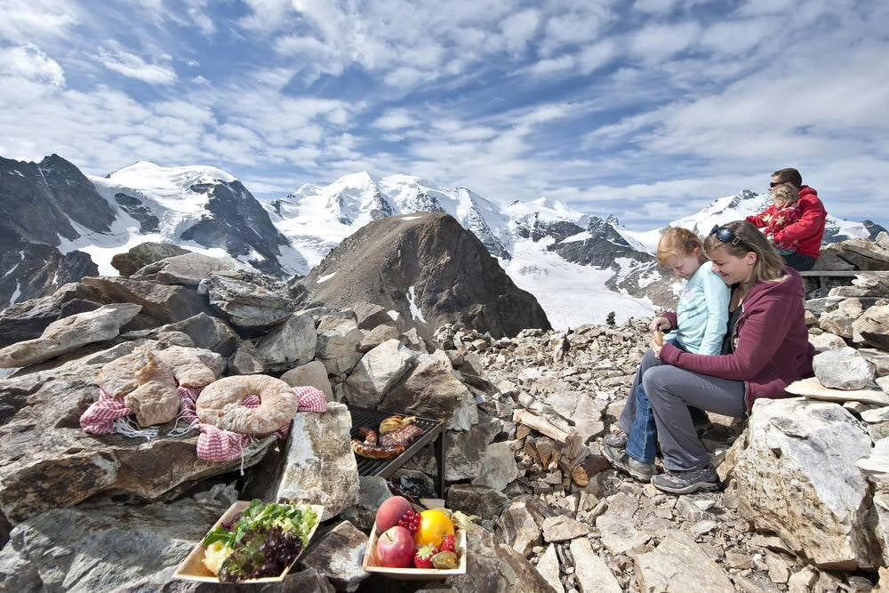 Dream and relax at Europe's highest barbecue site, Diavolezza.
