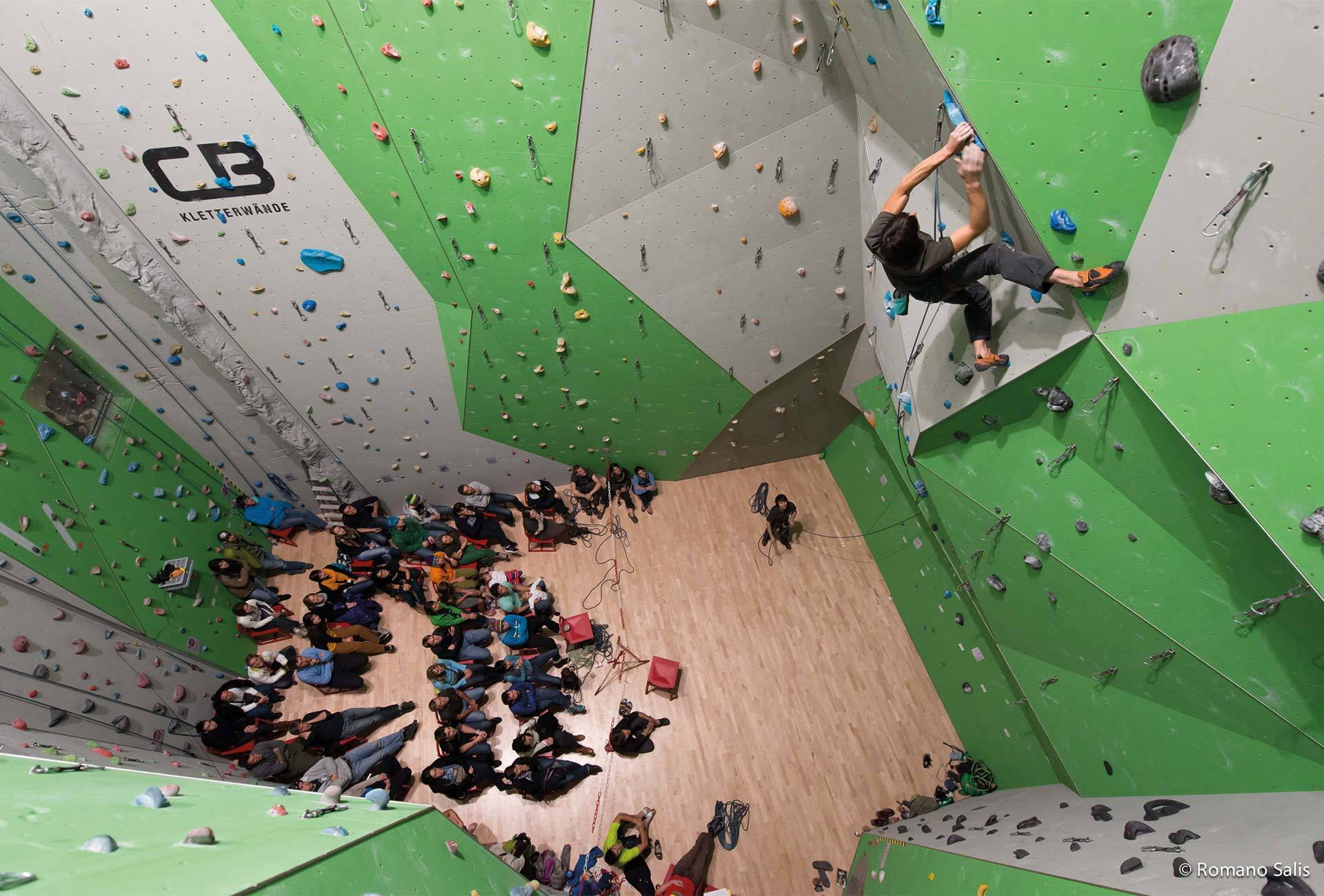Climbing and bouldering hall, S-chanf