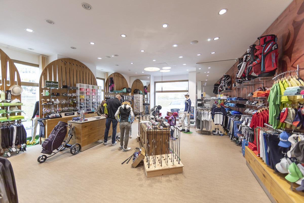 Willy Sport Golf Shop Slide 3