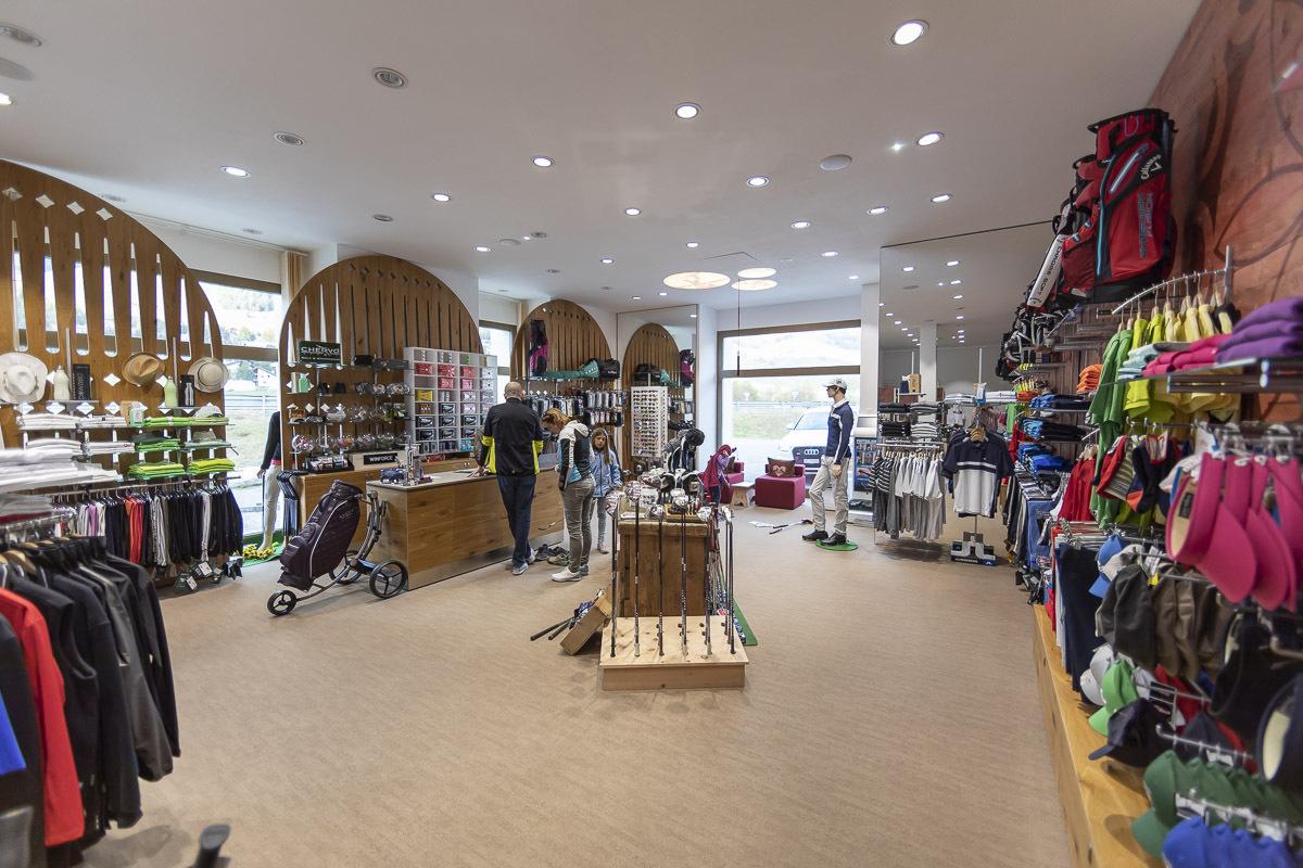 Willy Sport Golf Shop Slide 1