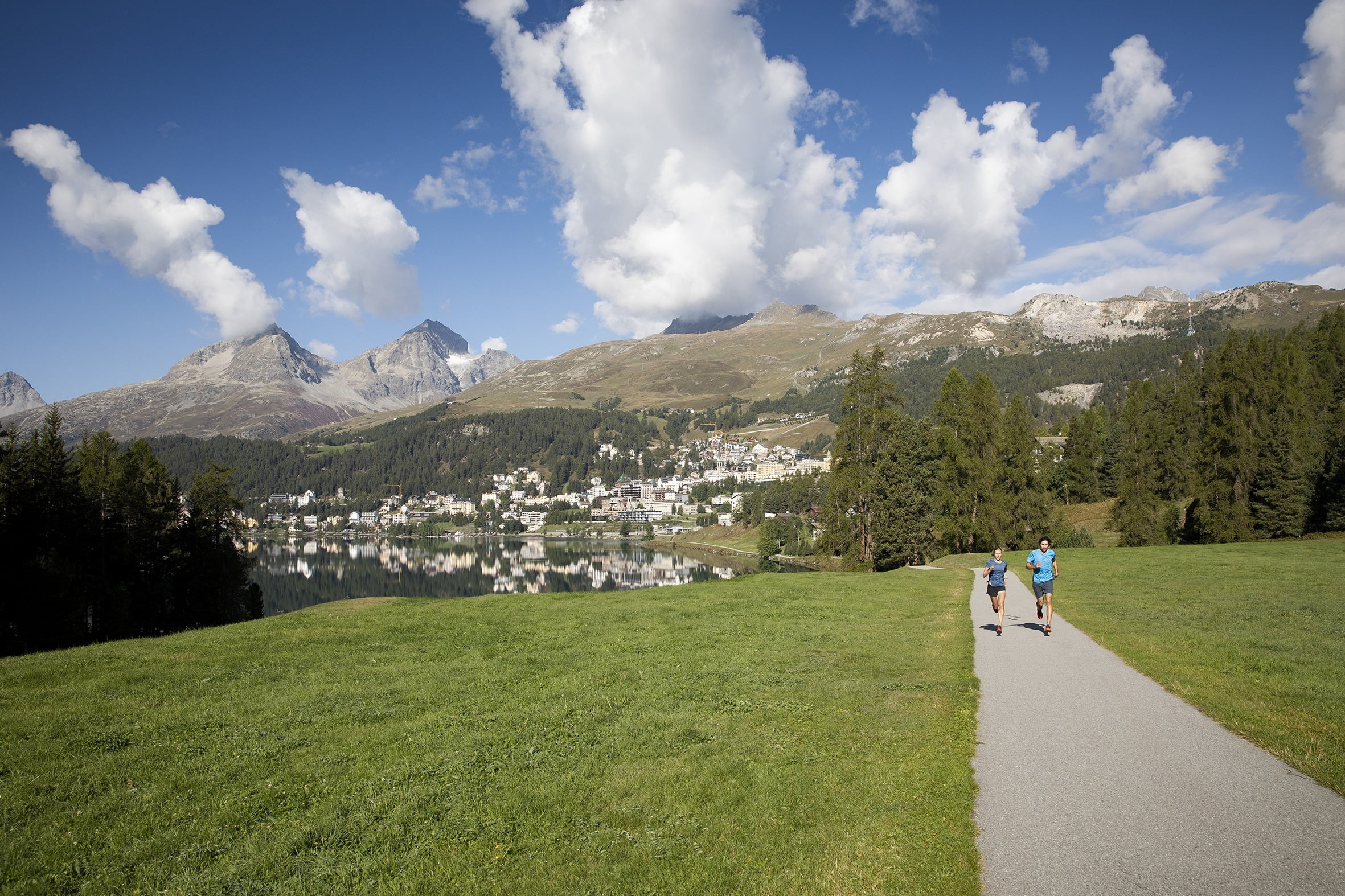 Jogging am St. Moritzer See