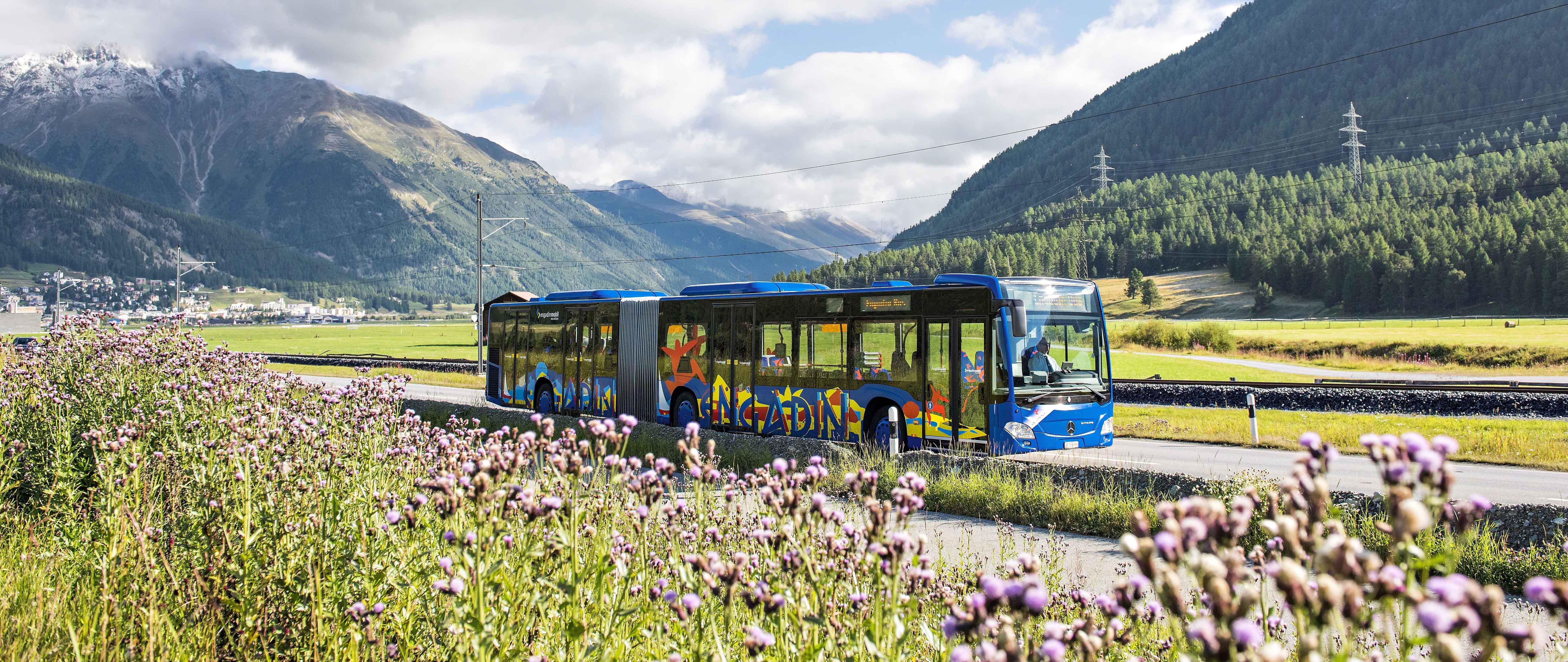 Elektro-Bike Transport: Engadin Bus