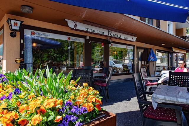 Restaurant Rustica Slide 2