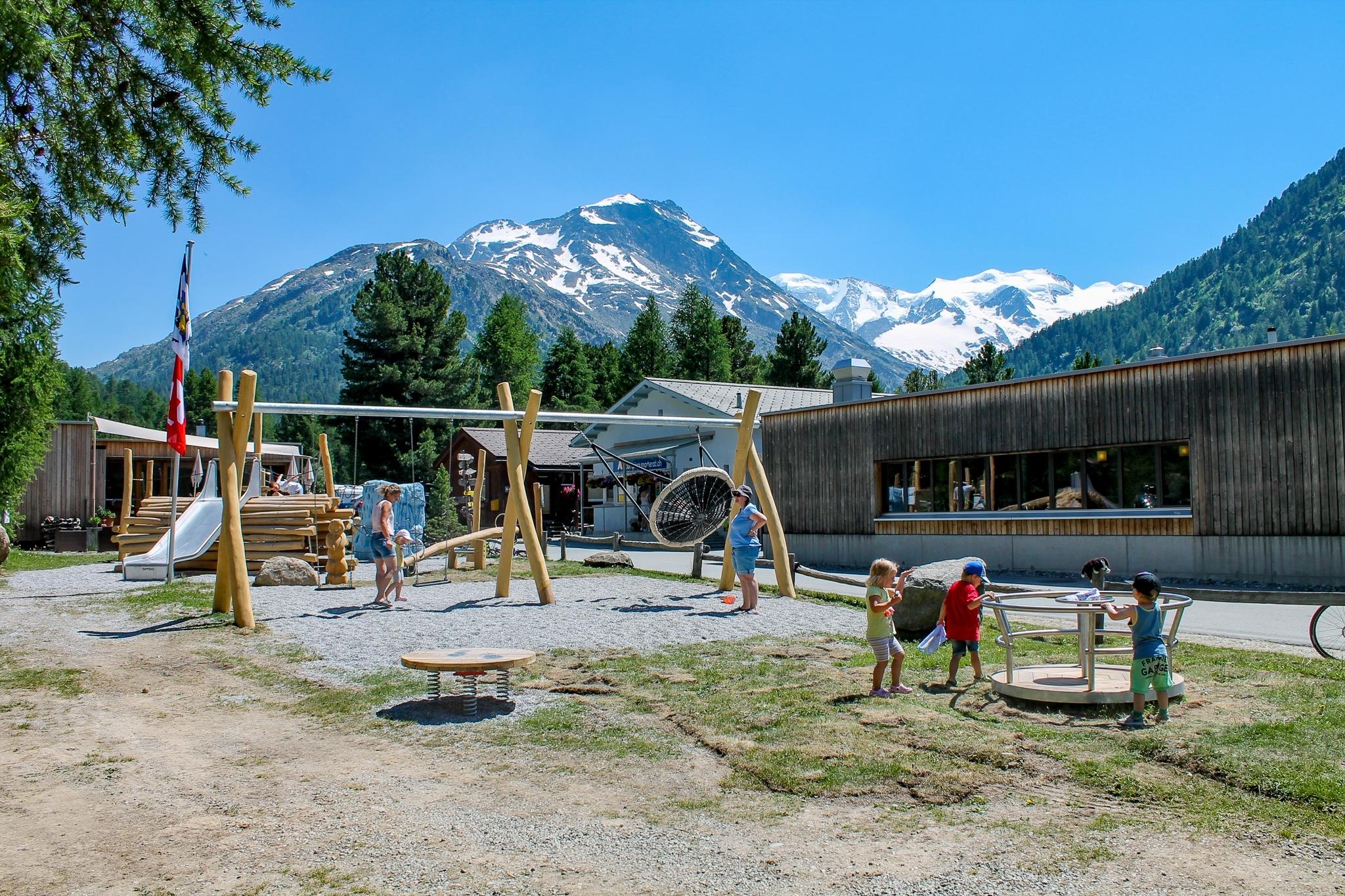 Kinderspielplatz Camping Morteratsch Slide 4