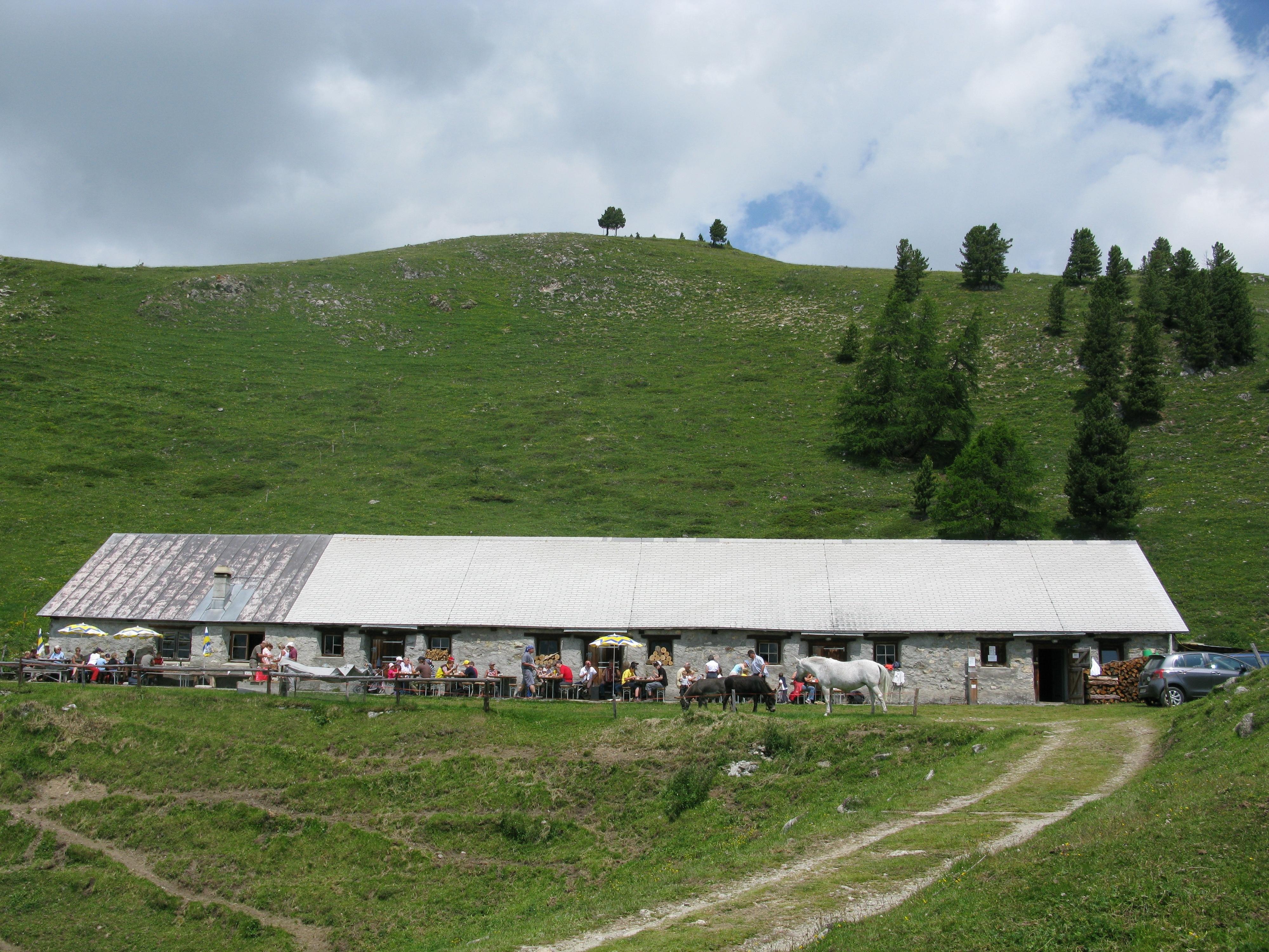 Alp Muntatsch Slide 1