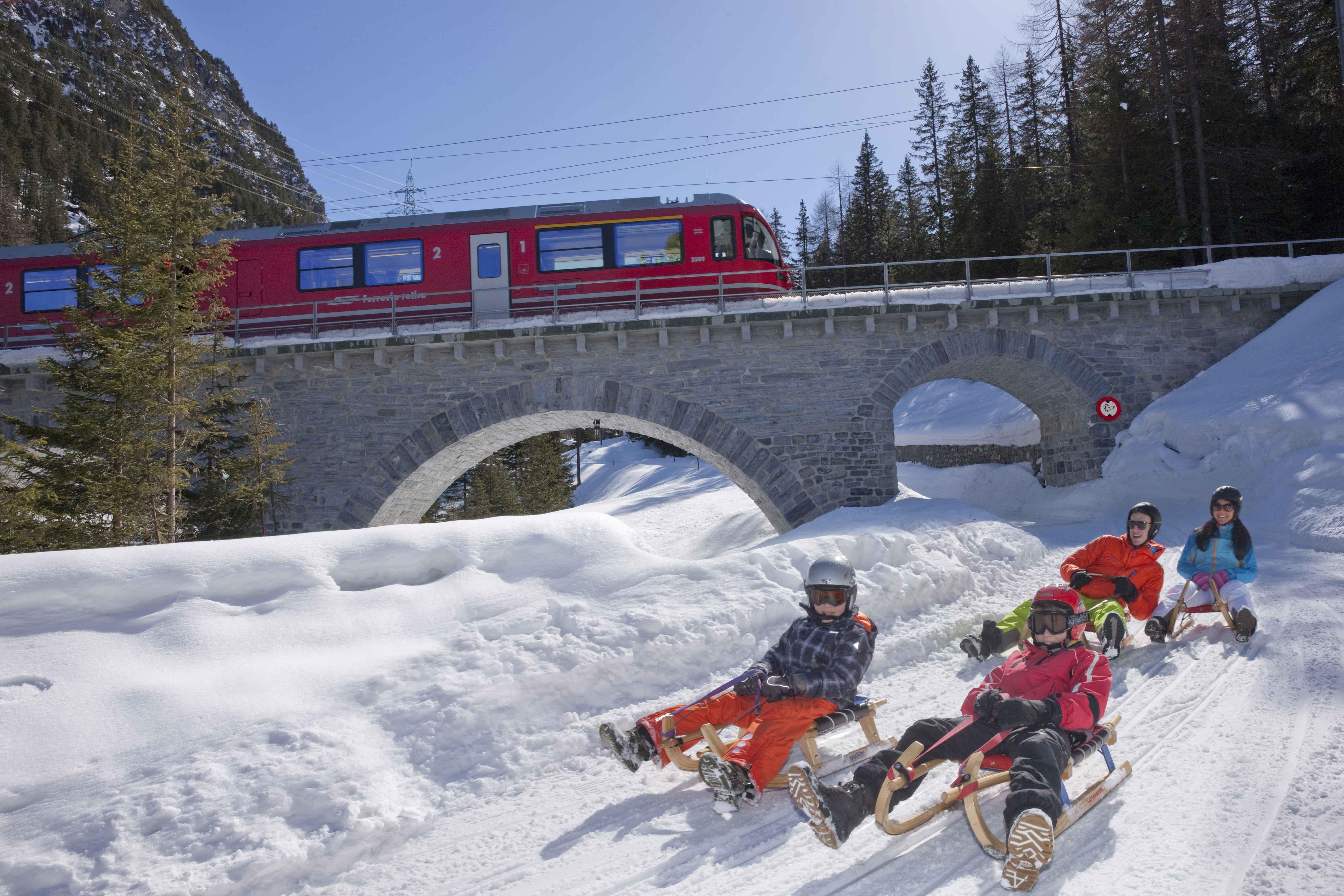 Twisting toboggan adventure from Preda to Bergün