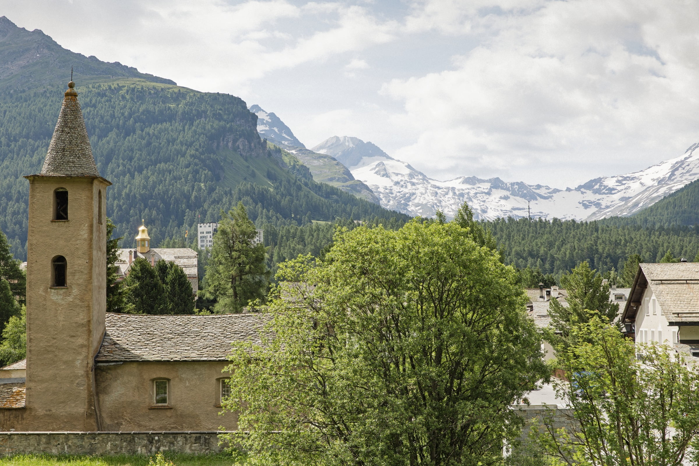 Village tour of Sils