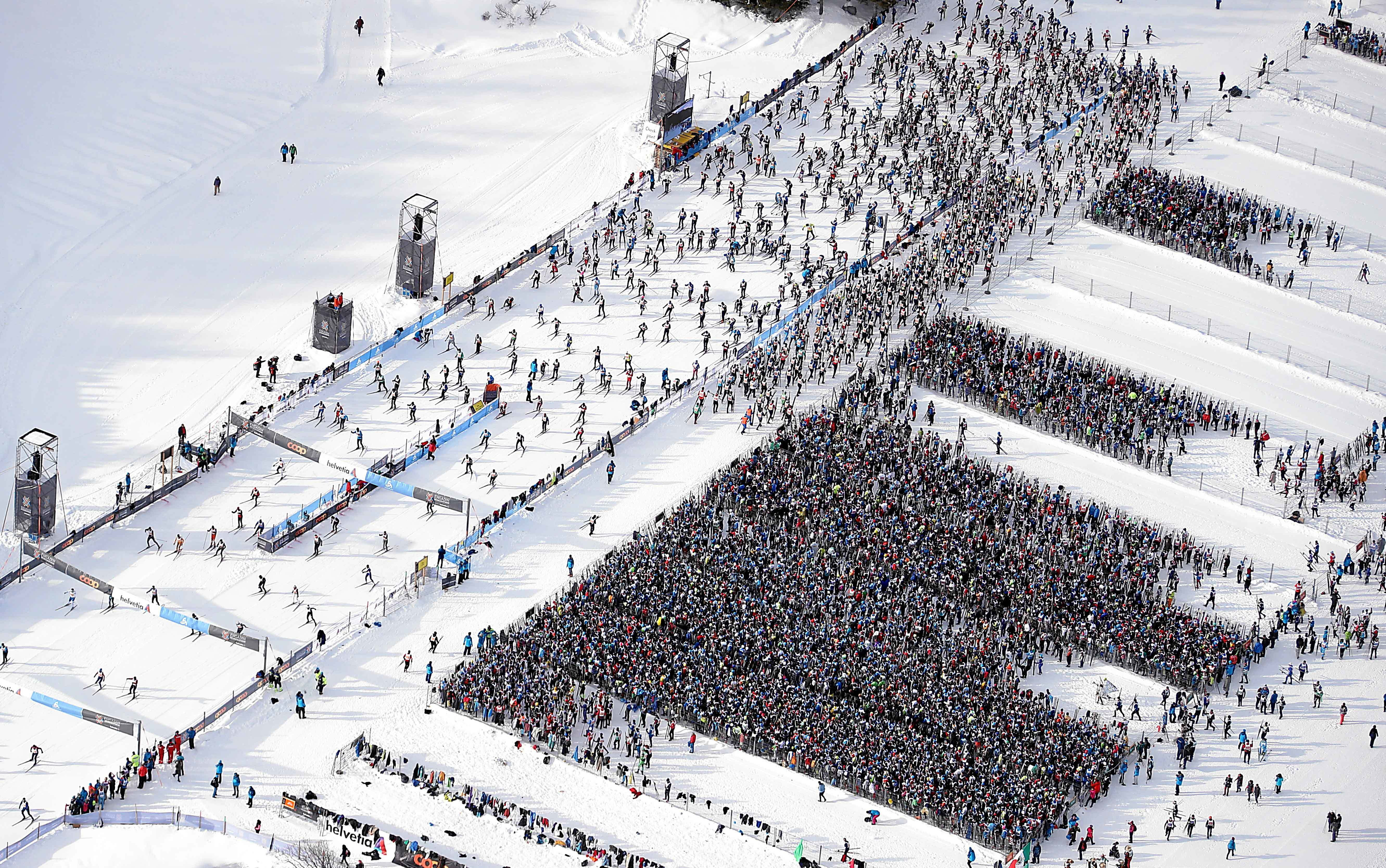 14,200 cross-country skiers from 67 countries and 42 kilometres.