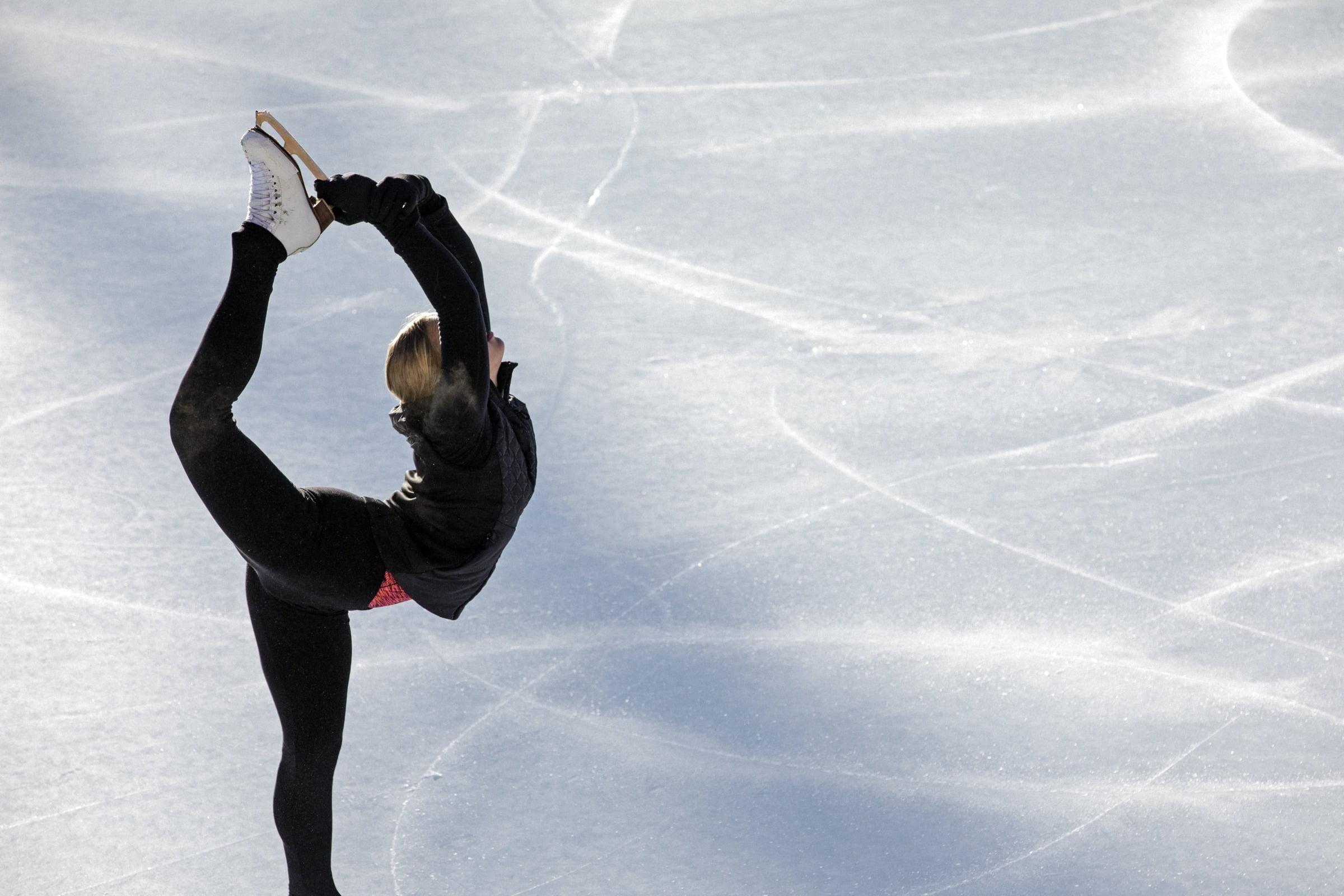 Eislaufen auf dem gefrorenen St. Moritzersee
