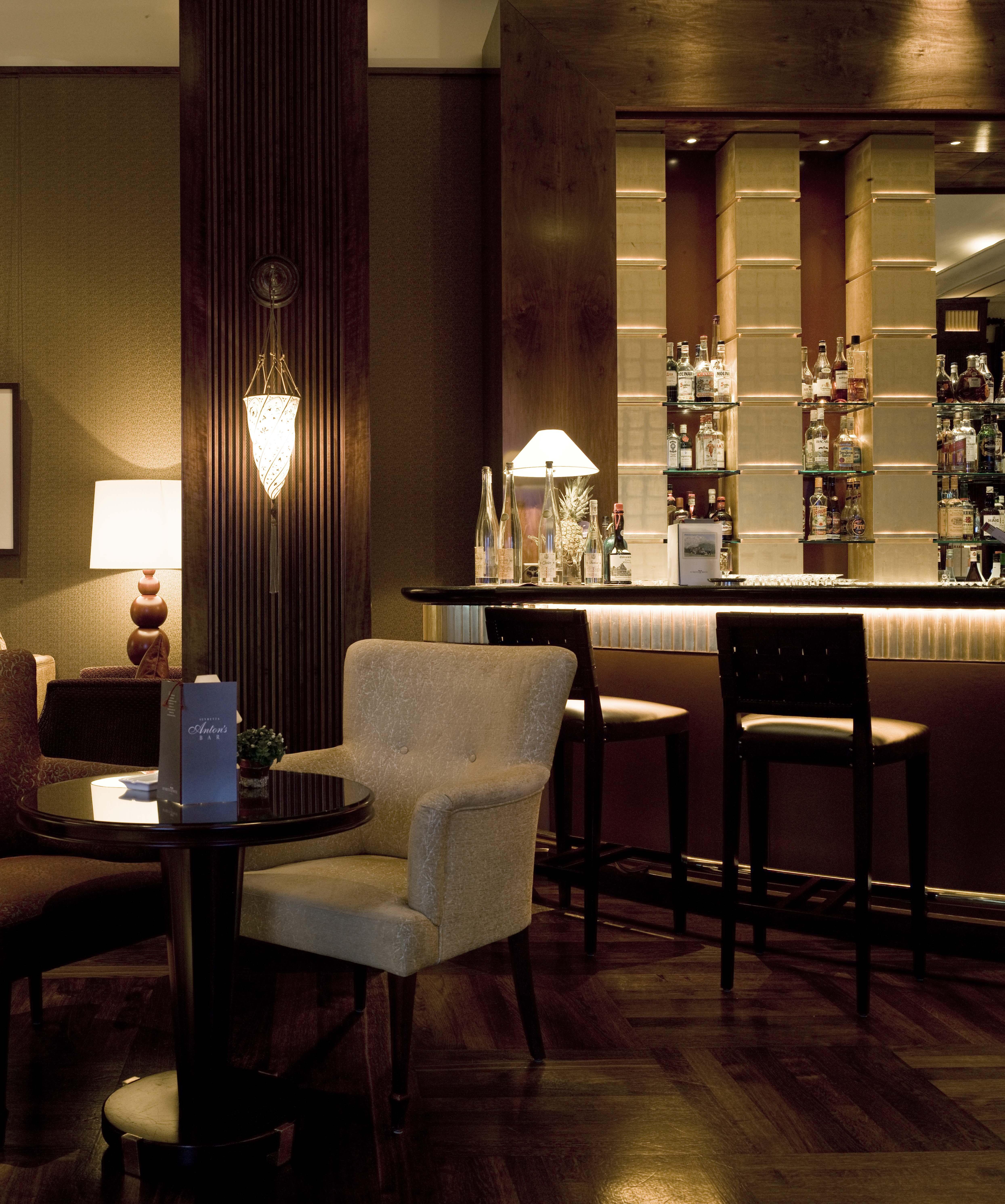 Anton's Bar Slide 5