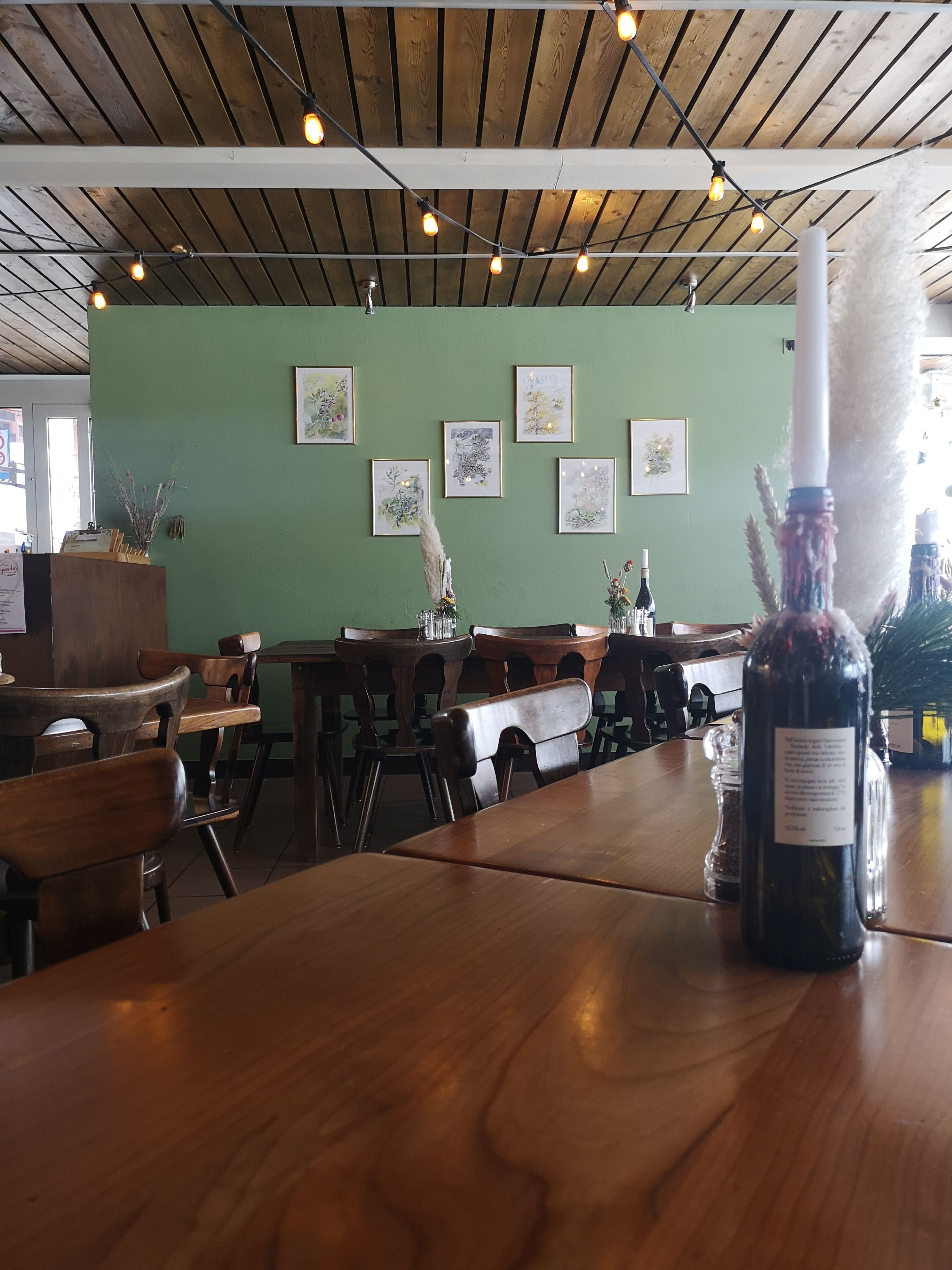 Bar Restaurant Giardin Slide 2