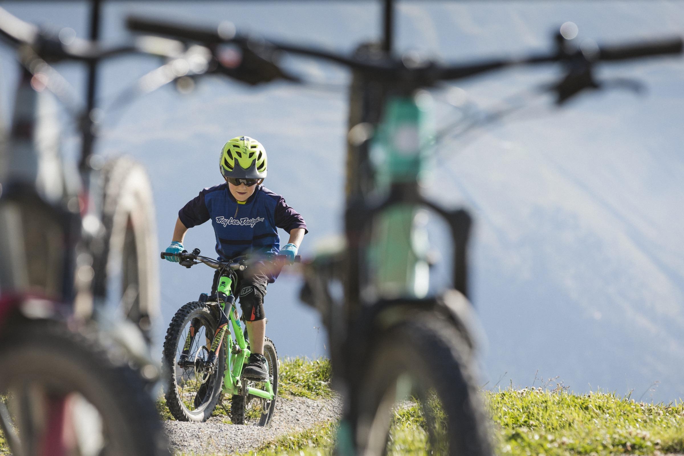 Mountainbike-Transport: Postauto Graubünden
