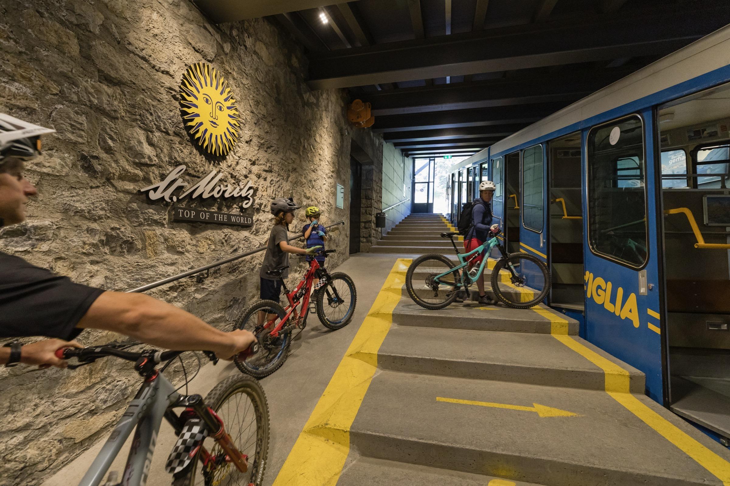 Mountain bike transport: Corviglia and Piz Nair