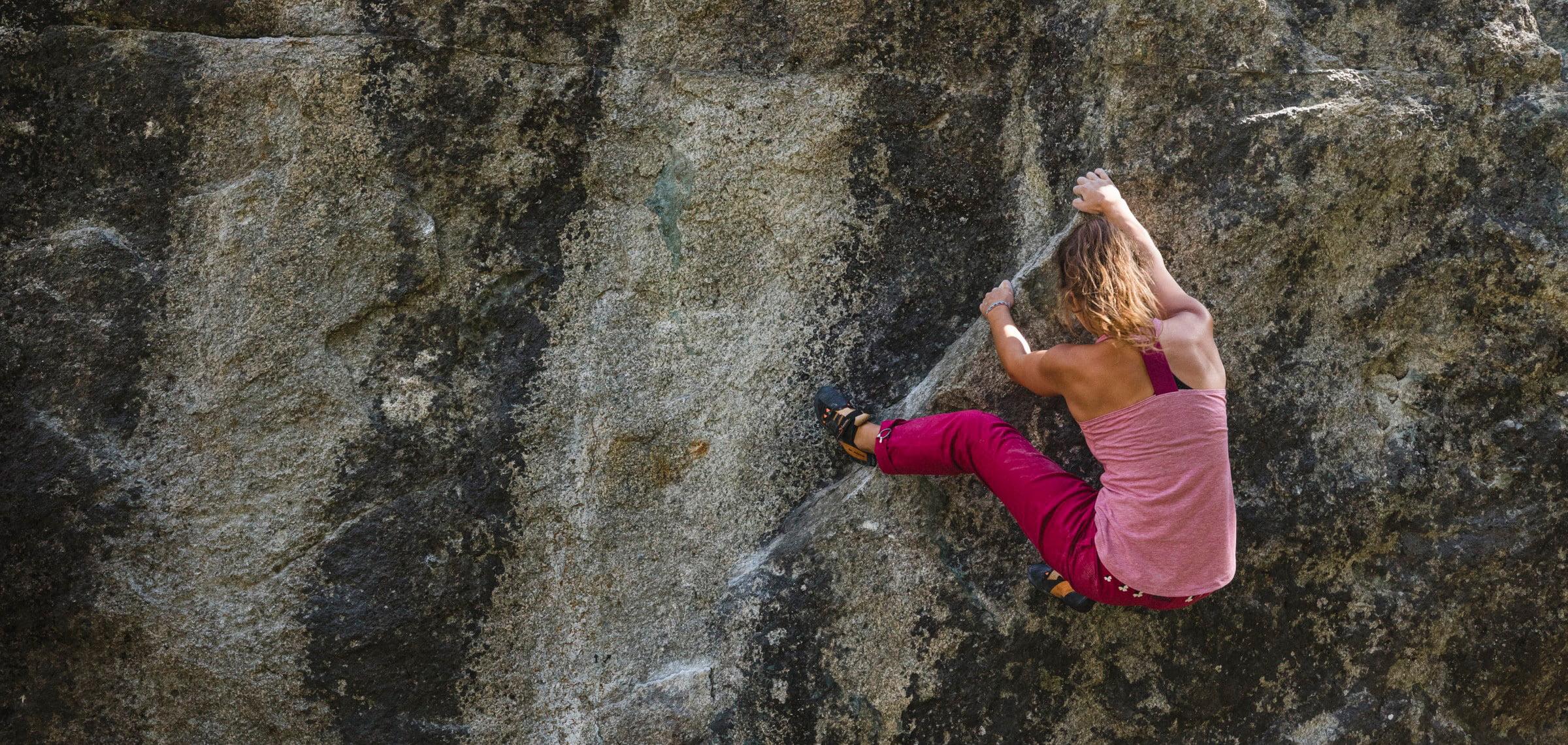 Lea Bärfuss  - Bouldern im Engadin