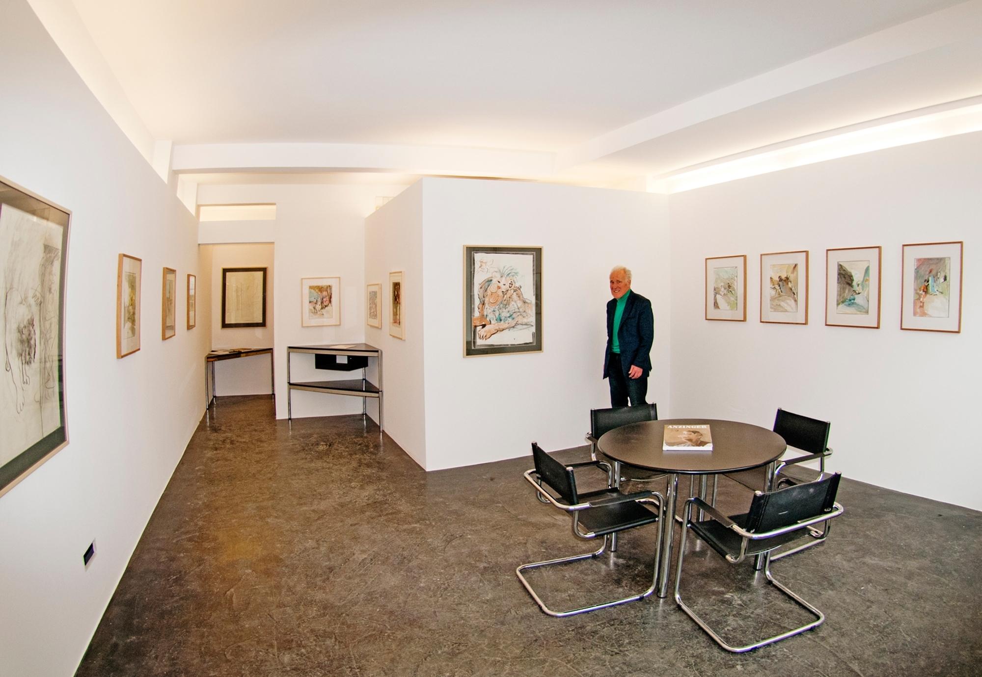 Galerie Curtins Slide 1