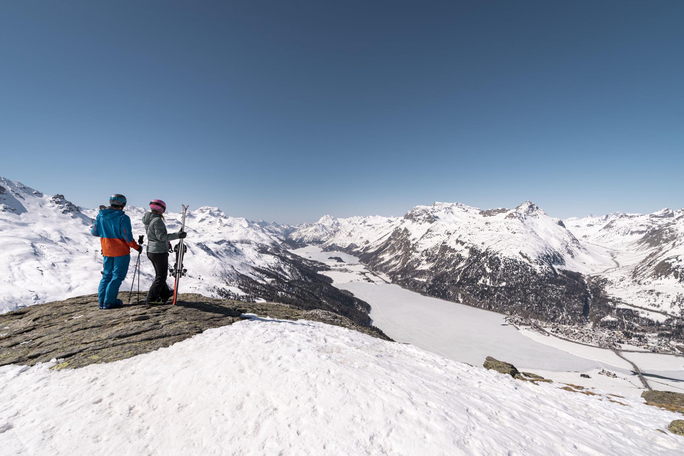 99 km of piste, 6,666 vertical metres, 22 mountain huts