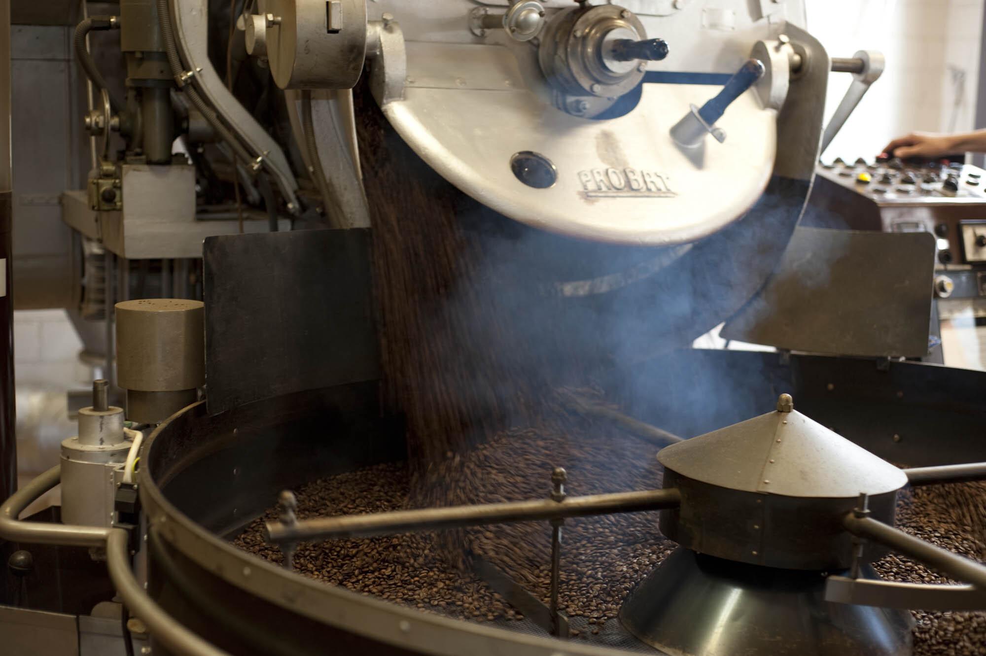 Caferama Kaffeebar & Shop Slide 1