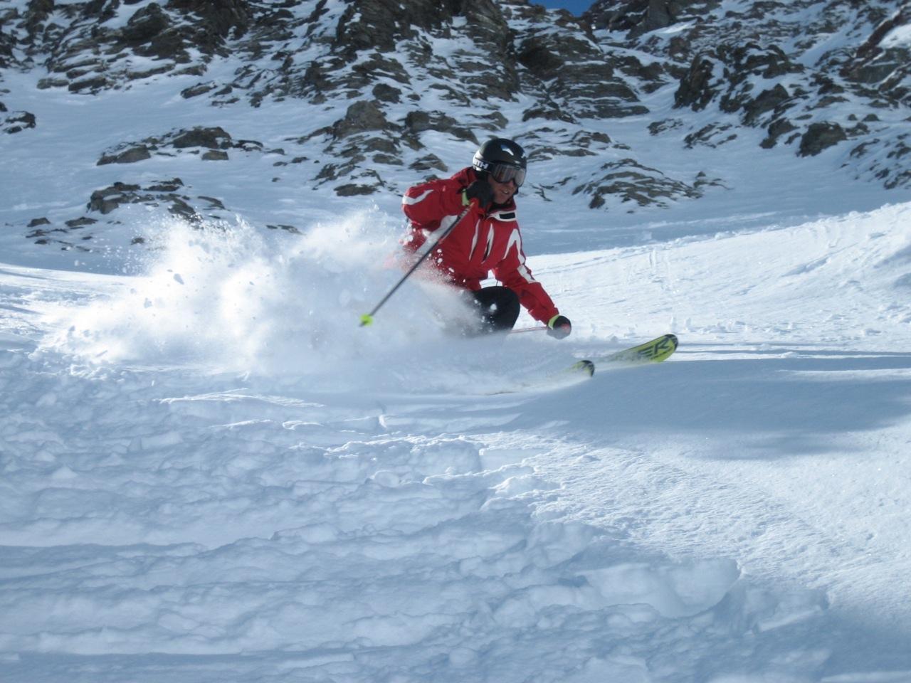 Swiss Snow Pro Slide 1