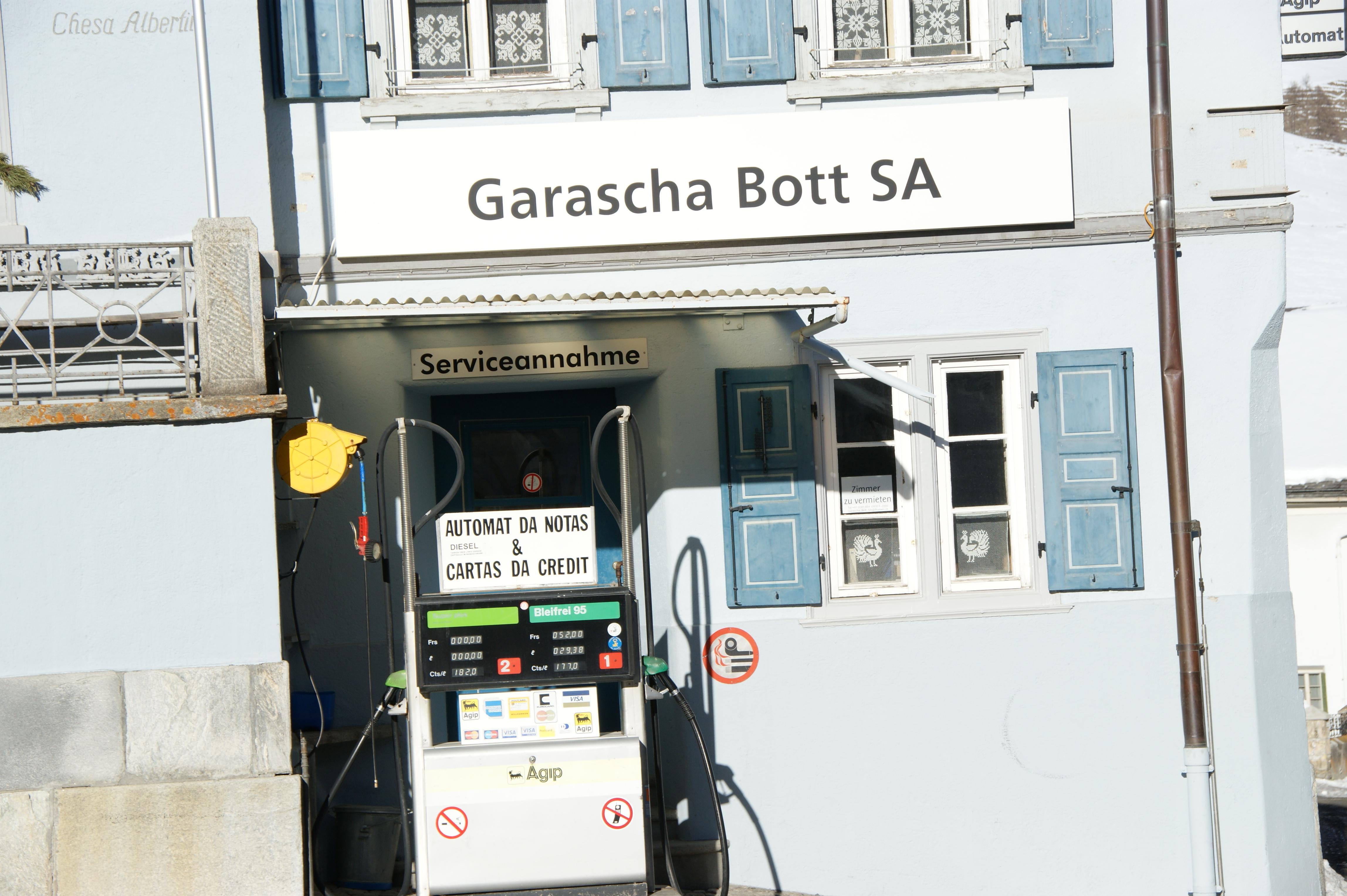 Garage Bott - AGIP Tankstelle Slide 1