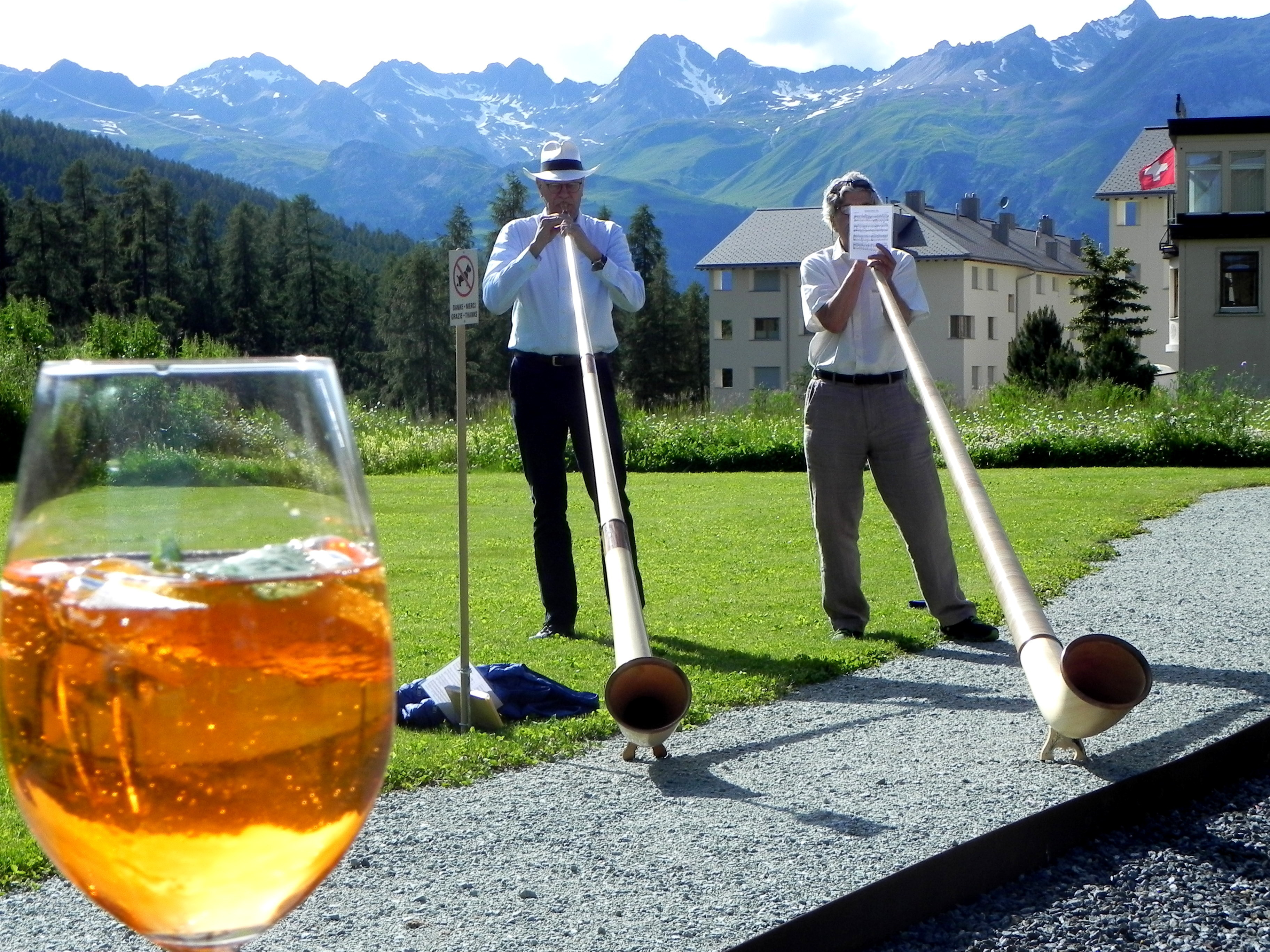 Alphorn concert at the Gondolezza sun terrace