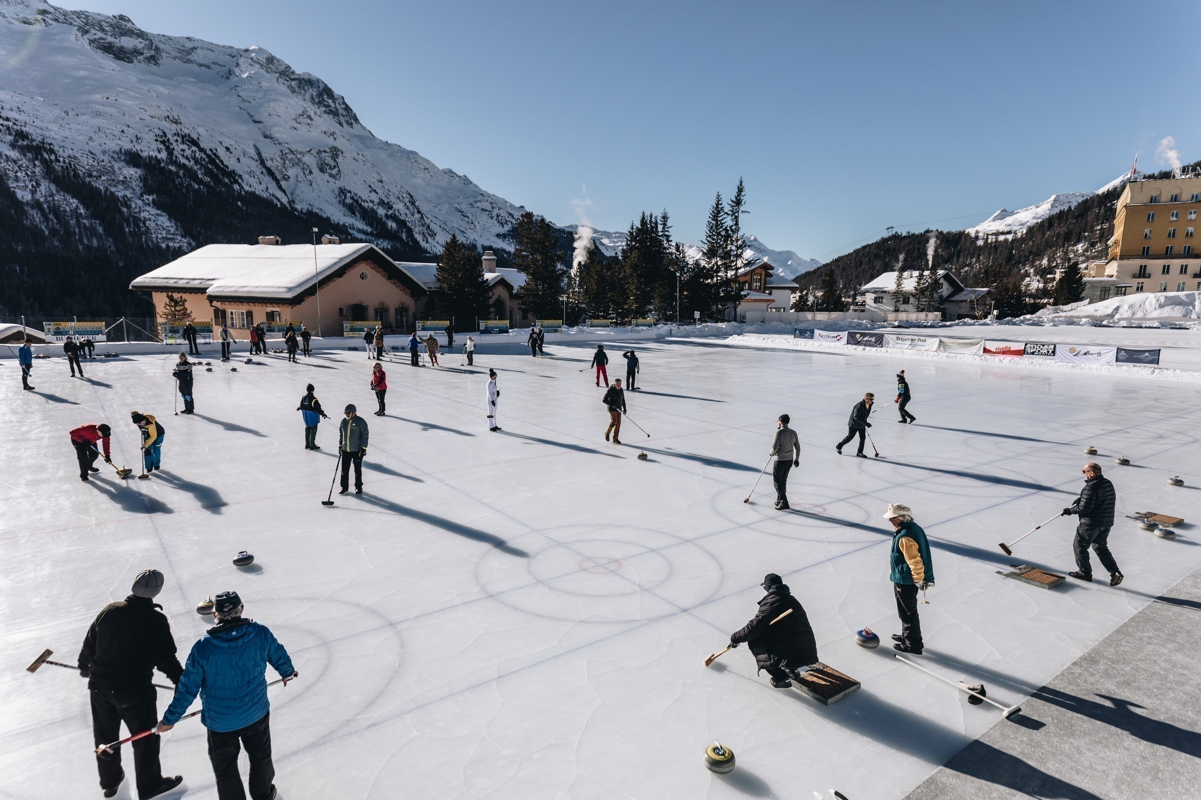 Curling: Hotel Soldanella - Your home in St. Moritz - Cup