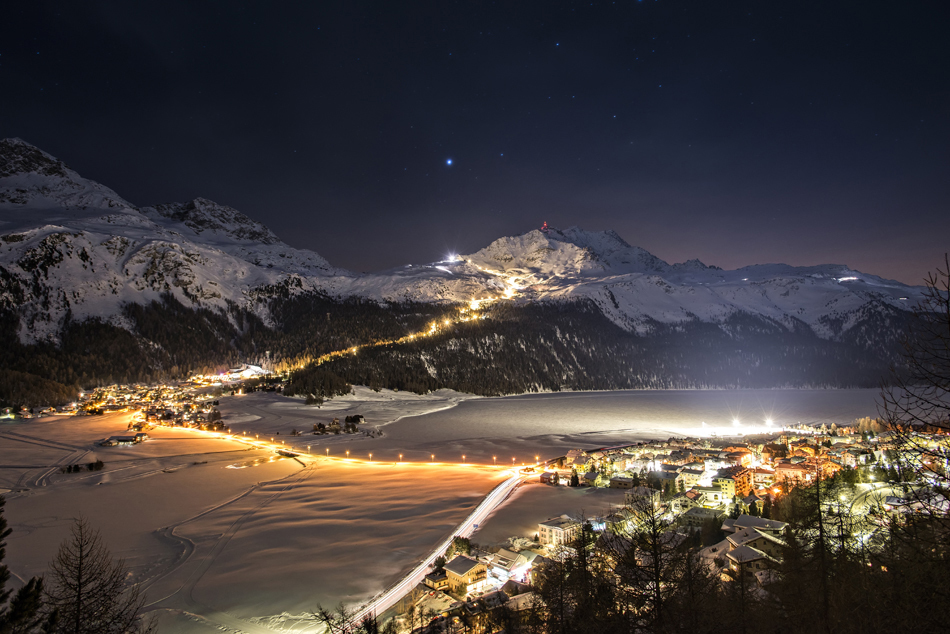 The first Snow Night in the sign of Swiss Santa Claus