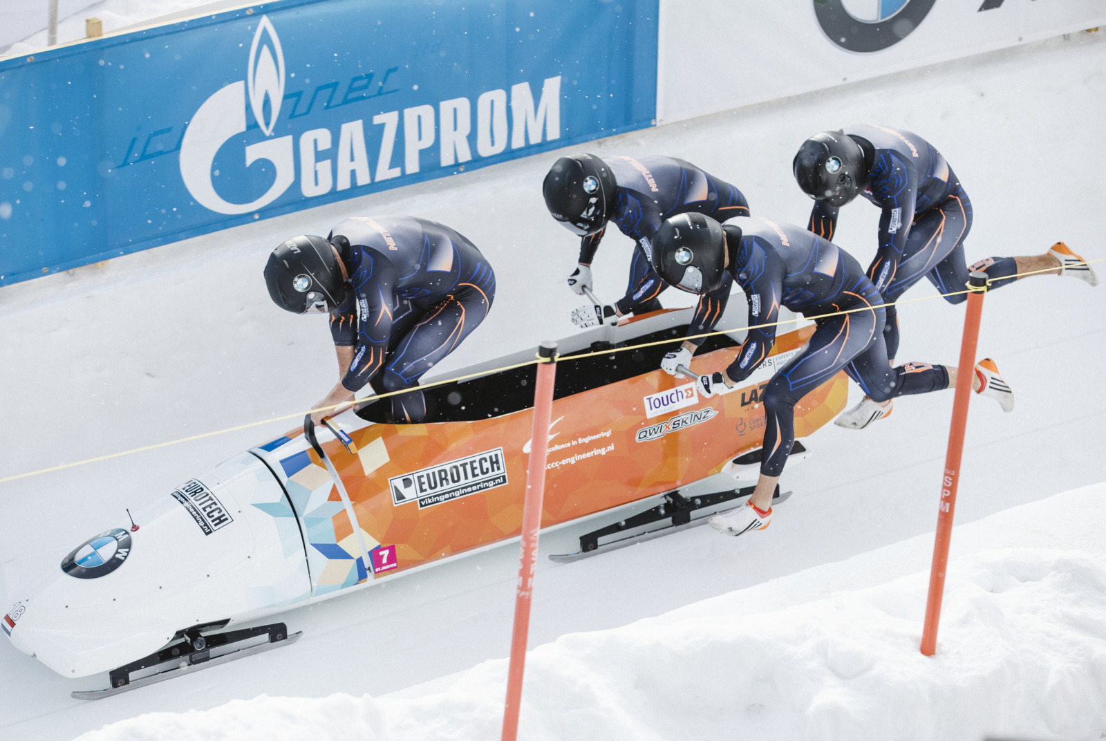 Bob Run: 4-man bobsleigh race